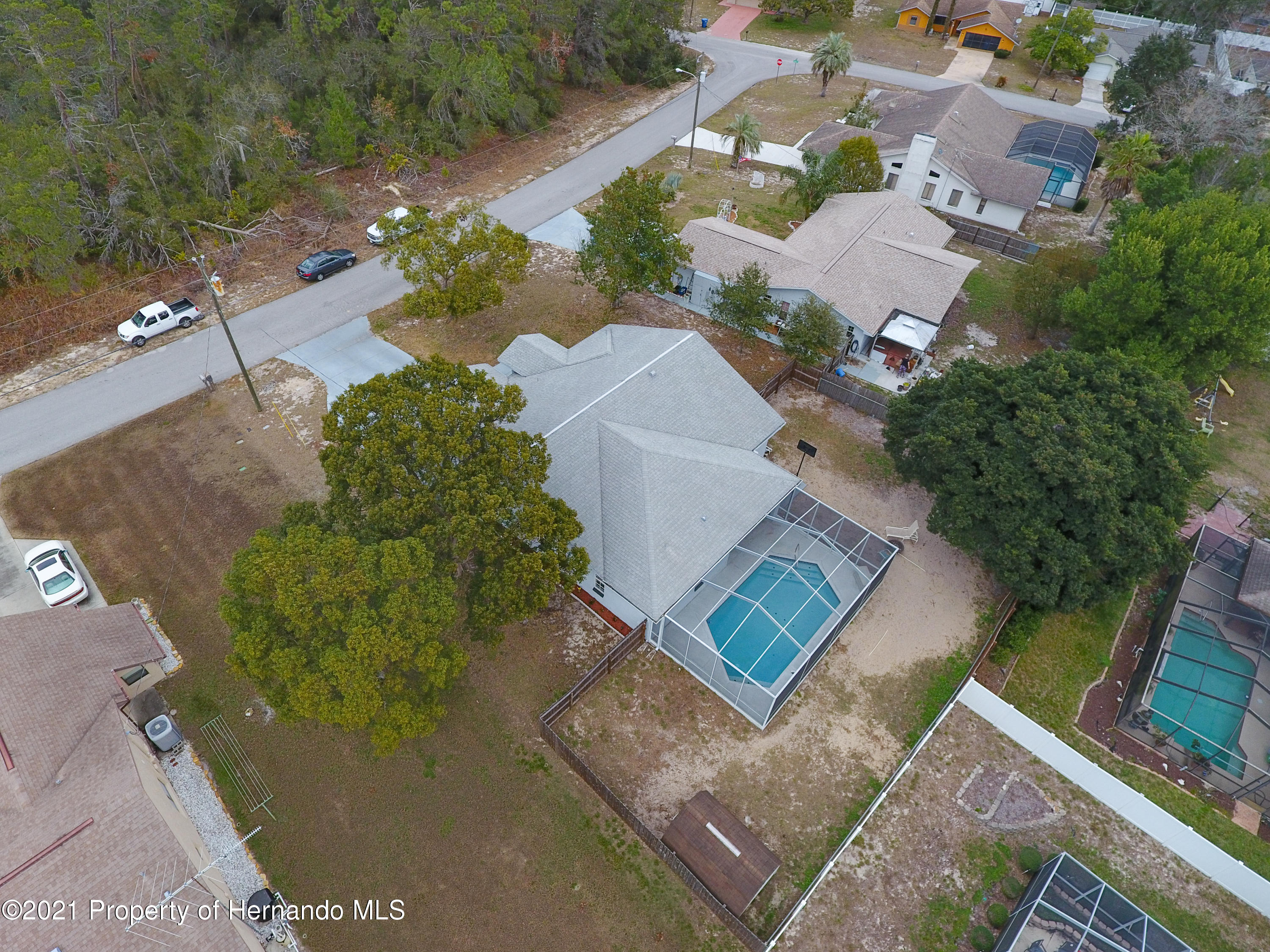 Listing photo id 52 for 6264 Dorset Road