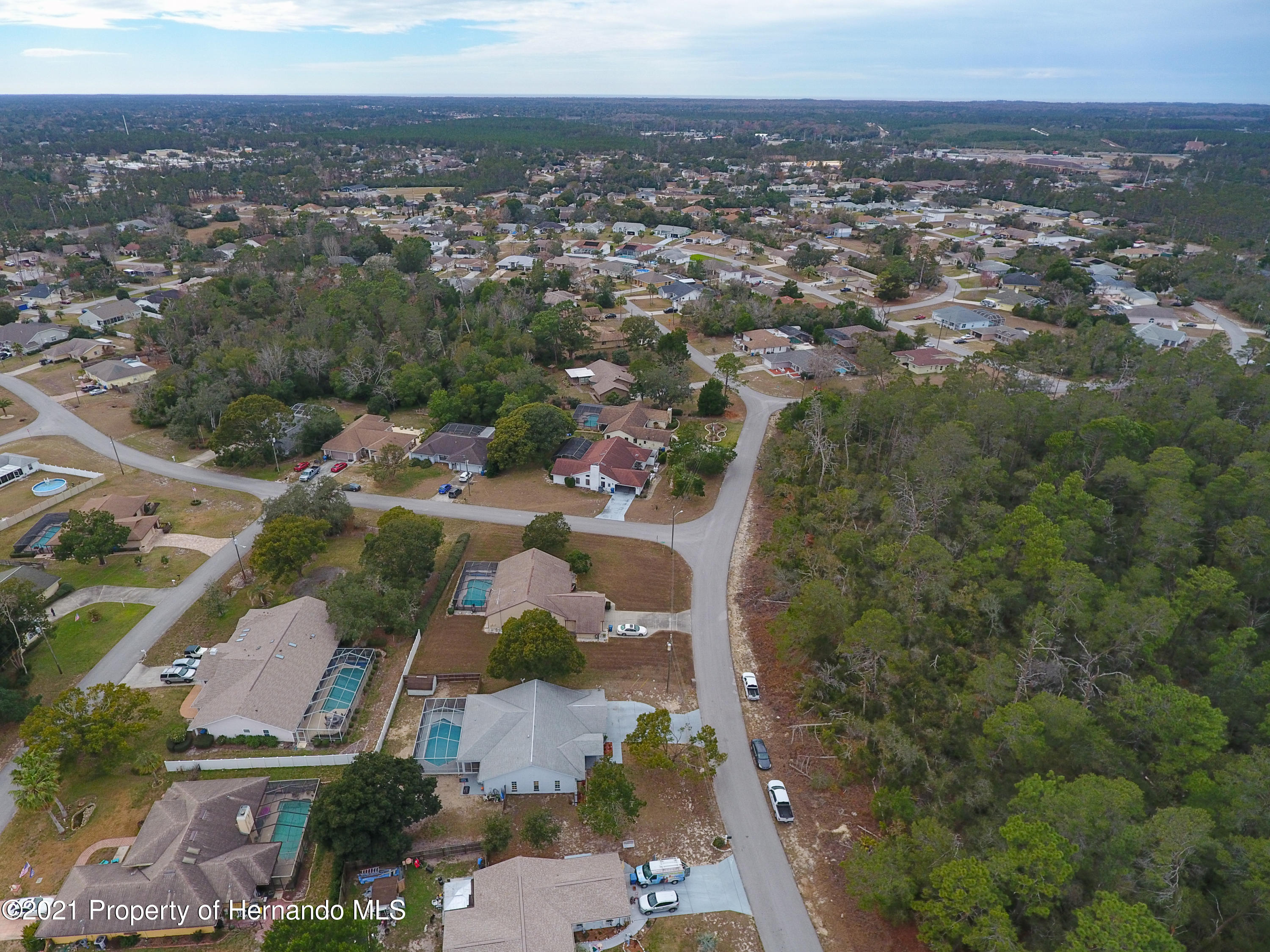Listing photo id 58 for 6264 Dorset Road