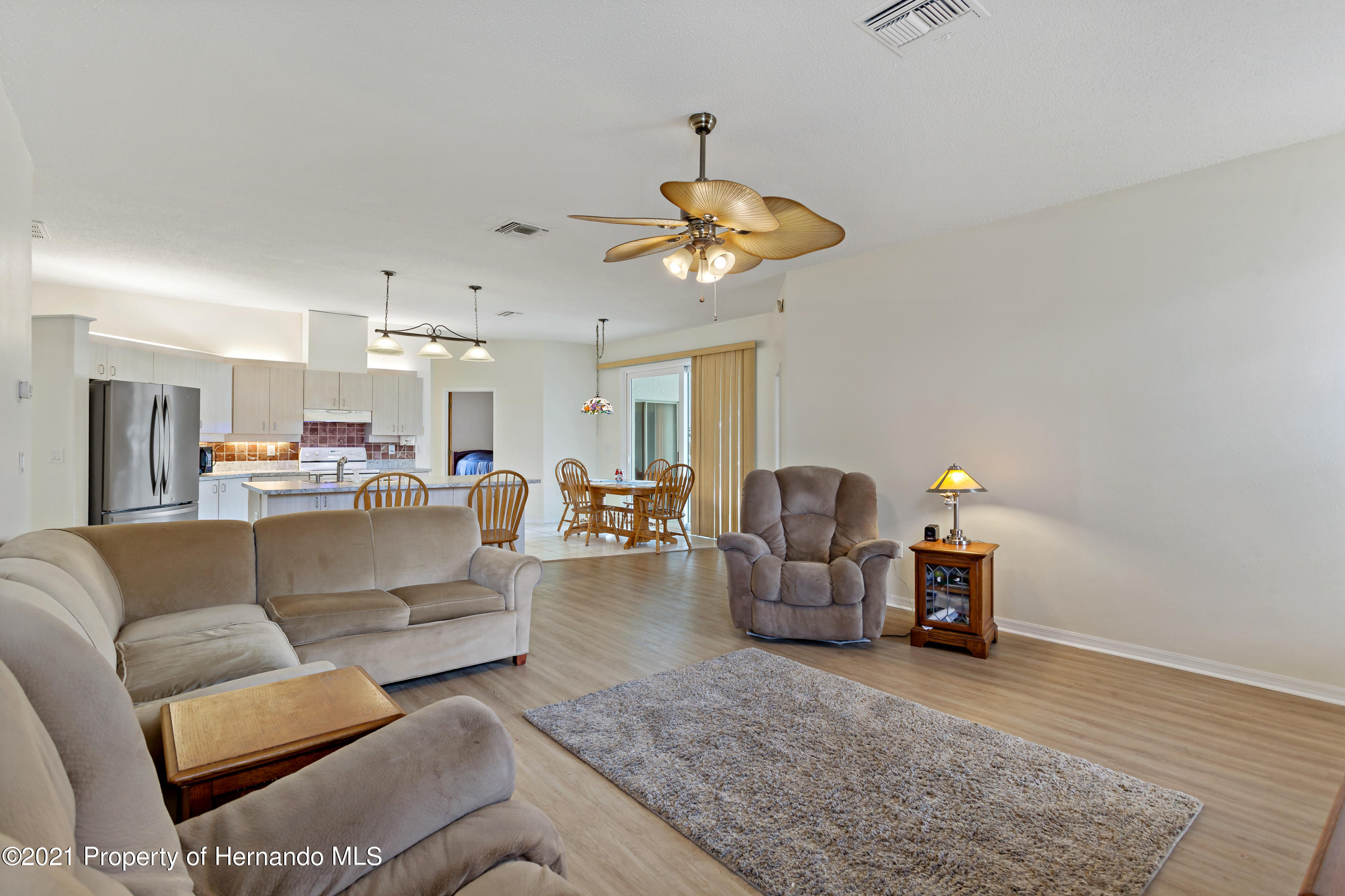 Listing photo id 17 for 6264 Dorset Road