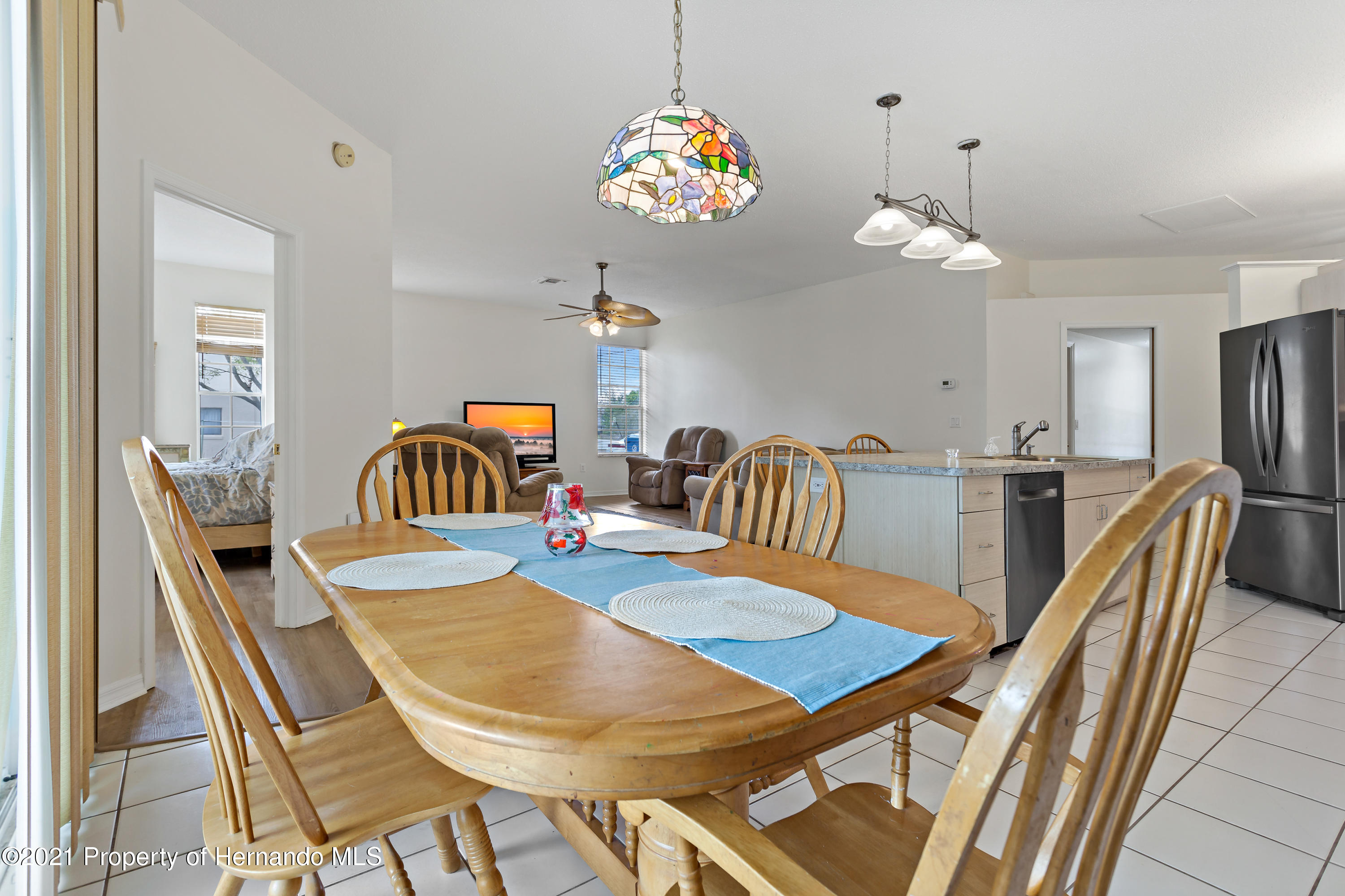 Listing photo id 15 for 6264 Dorset Road