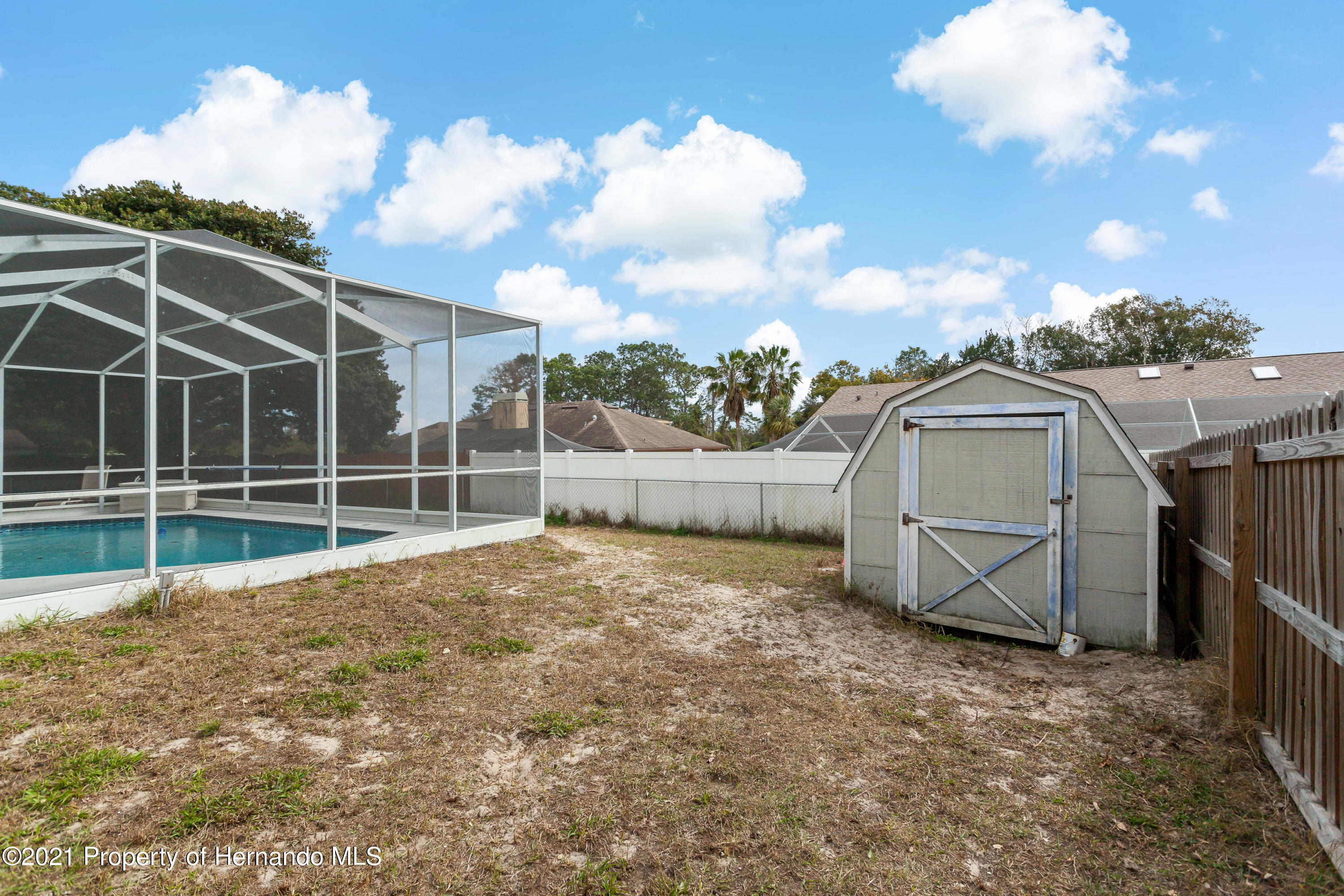 Listing photo id 47 for 6264 Dorset Road