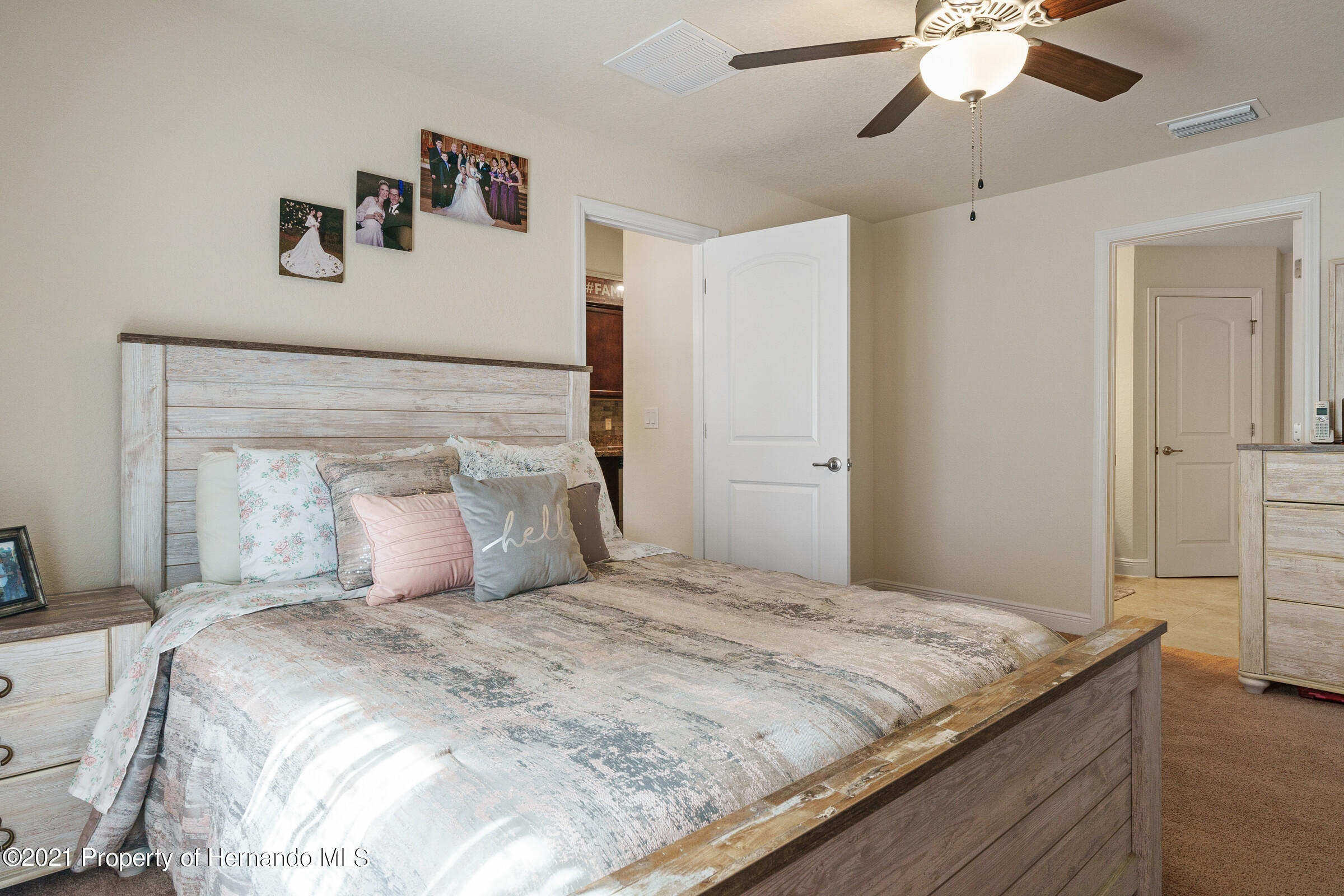 Listing photo id 15 for 11274 Furley
