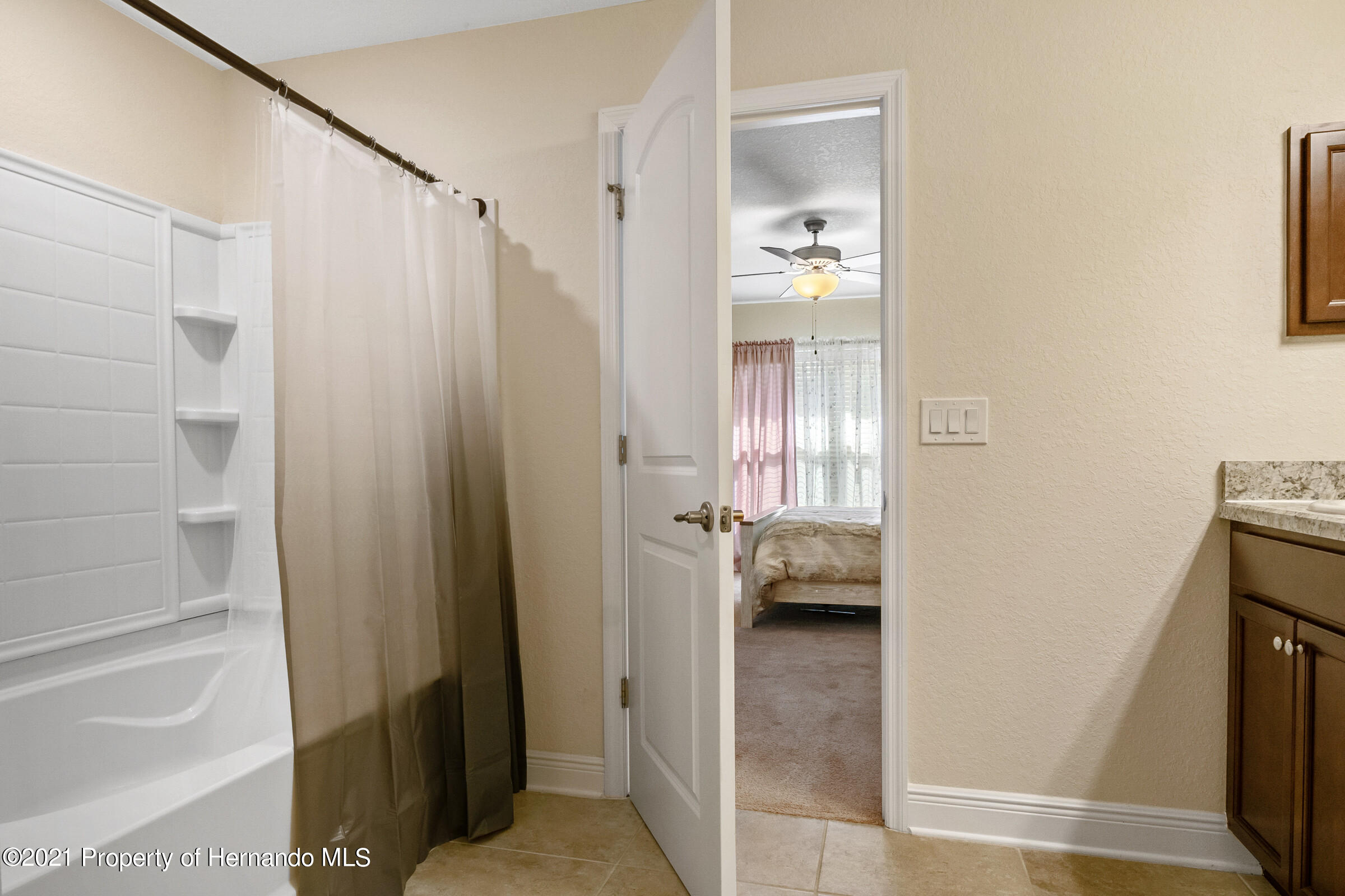 Listing photo id 17 for 11274 Furley