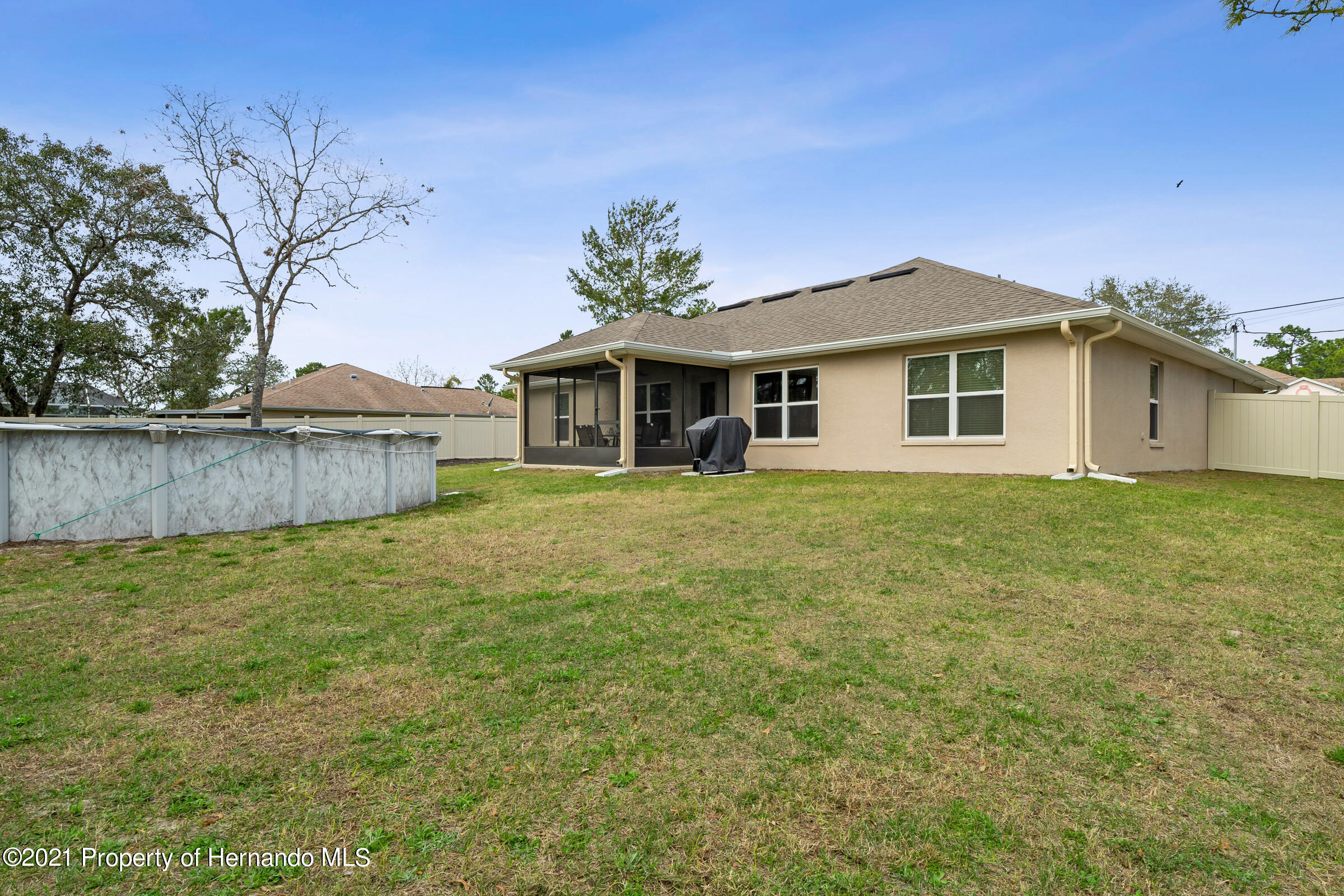 Listing photo id 28 for 11274 Furley