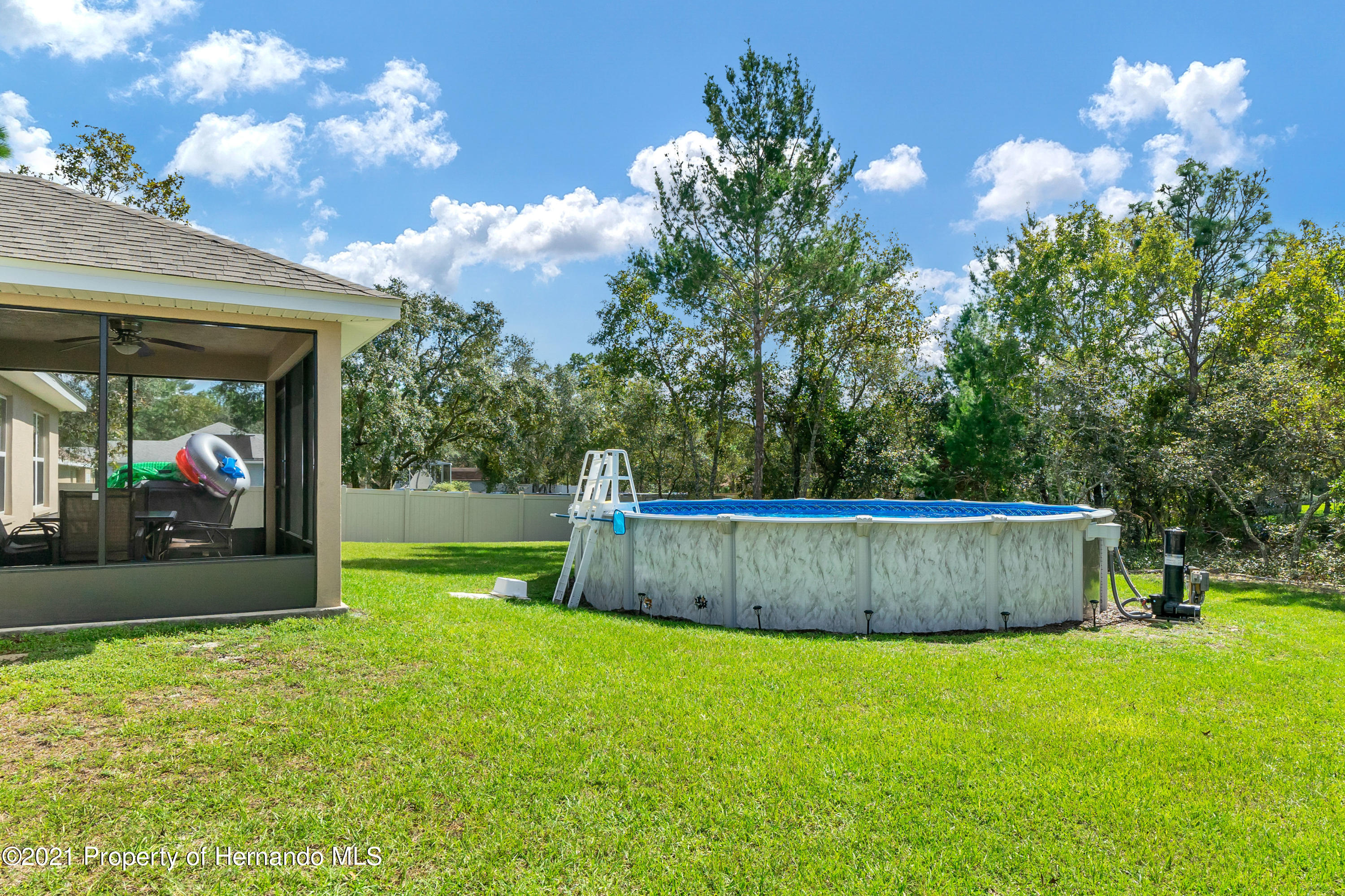 Listing photo id 27 for 11274 Furley