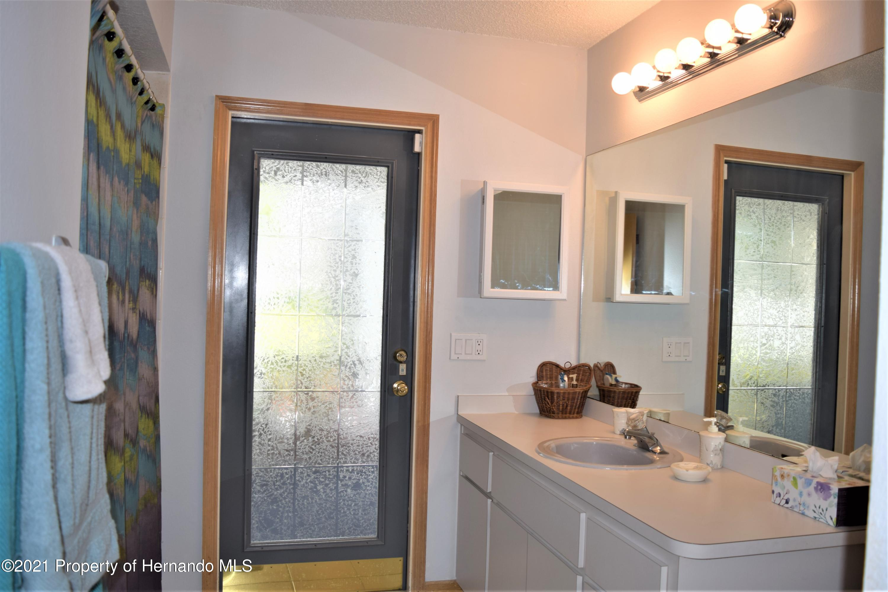 Listing photo id 16 for 6009 County Line Road
