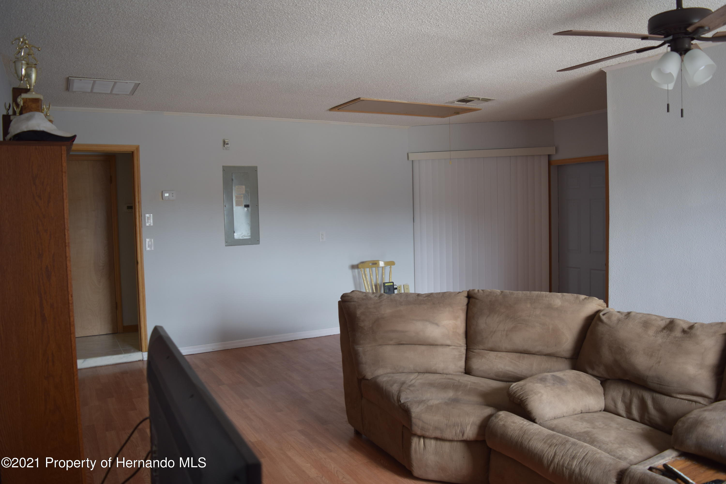 Listing photo id 14 for 6009 County Line Road