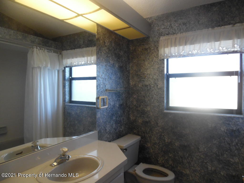 Listing photo id 19 for 7352 Cone Shell Drive