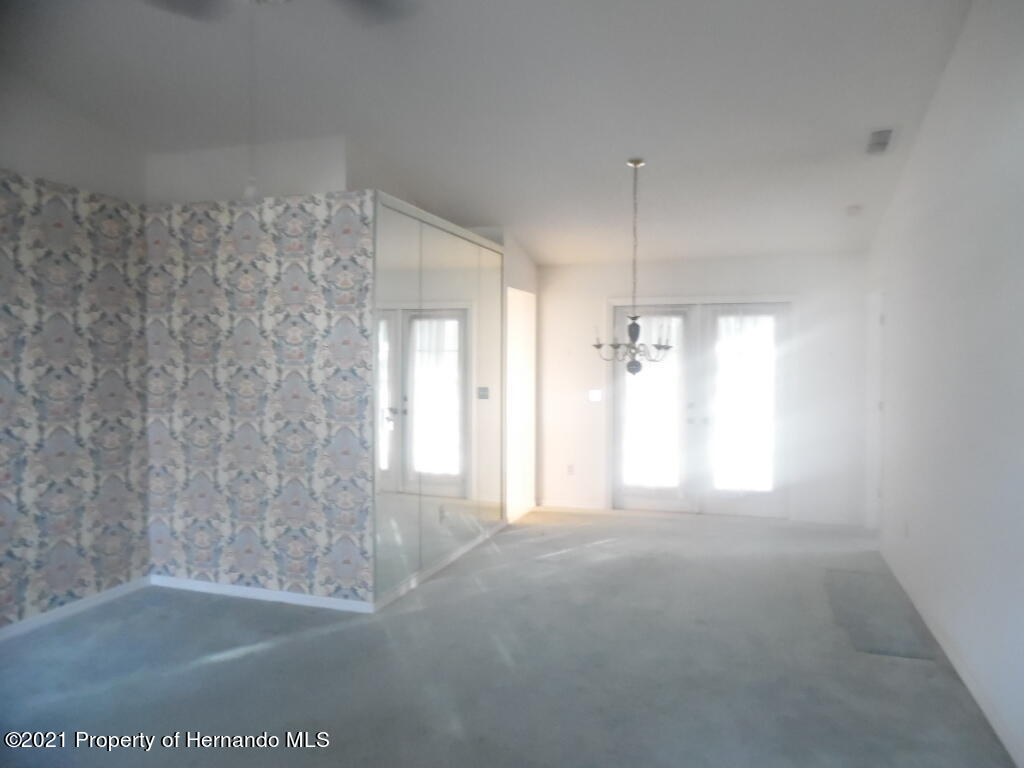 Listing photo id 5 for 7352 Cone Shell Drive