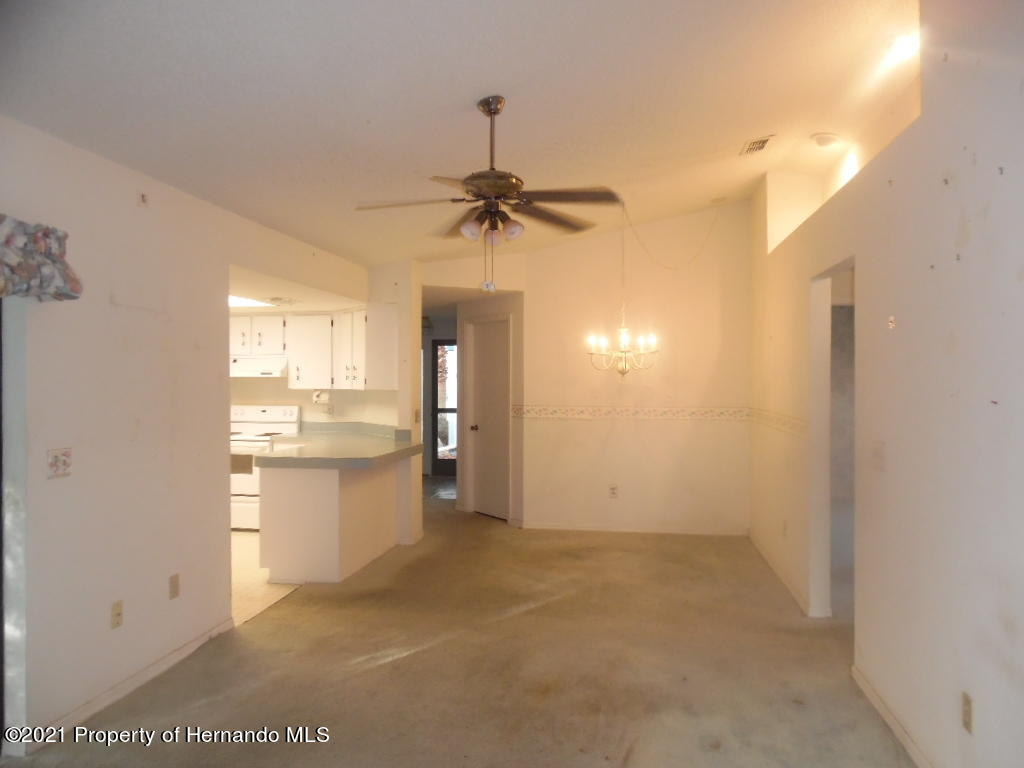 Listing photo id 10 for 7352 Cone Shell Drive