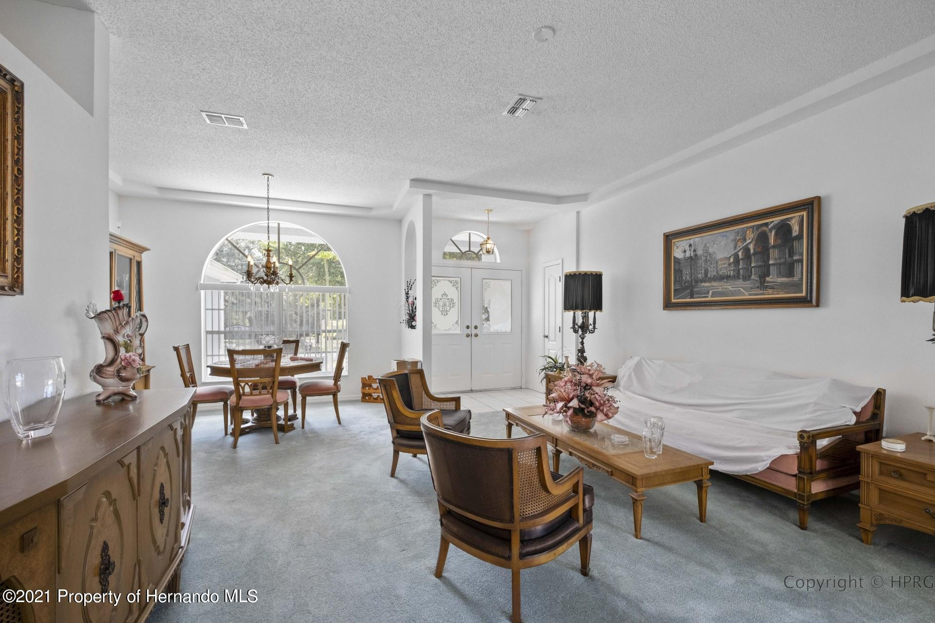 Listing photo id 4 for 8337 Belmont Road