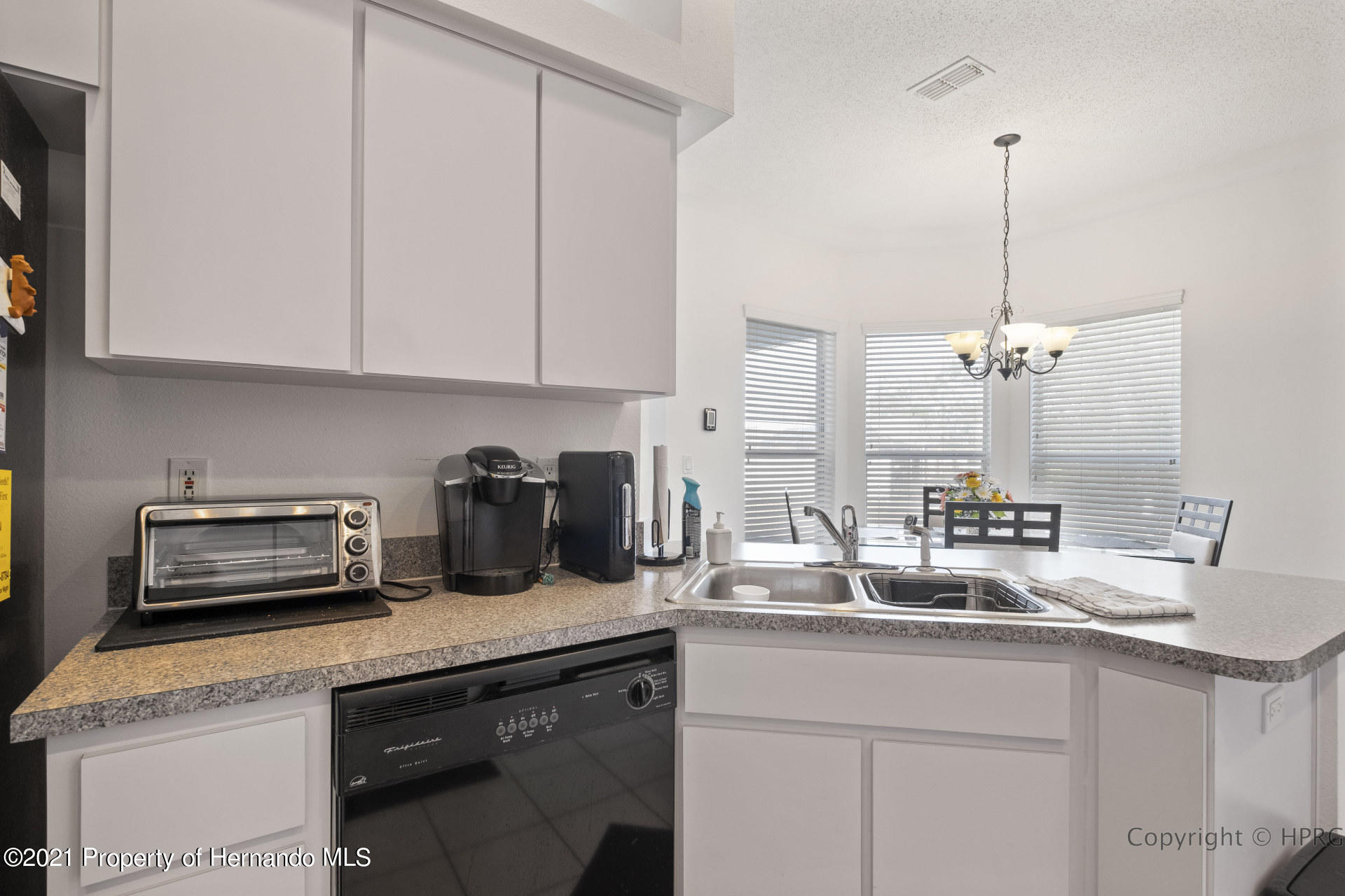 Listing photo id 8 for 8337 Belmont Road