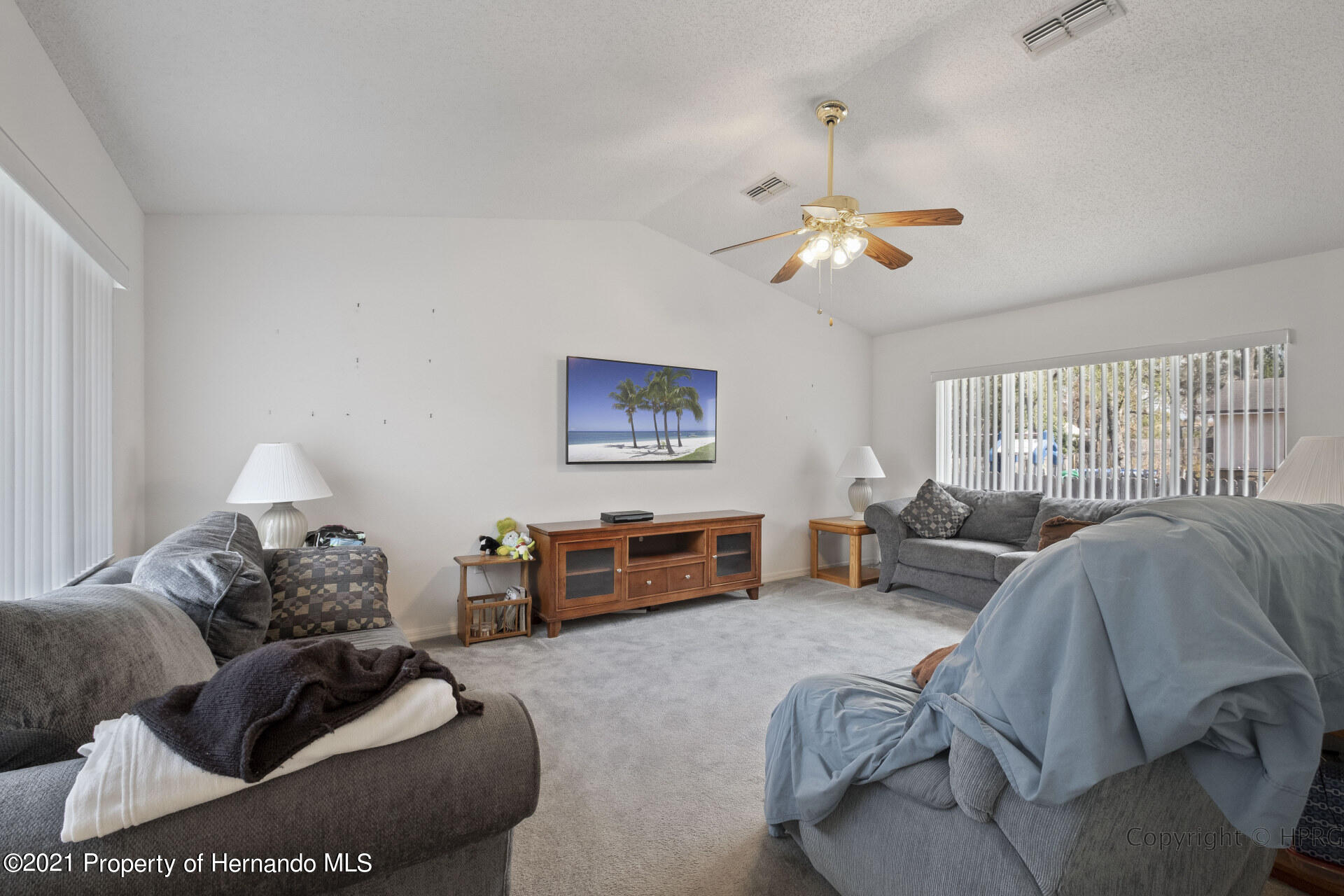 Listing photo id 11 for 8337 Belmont Road