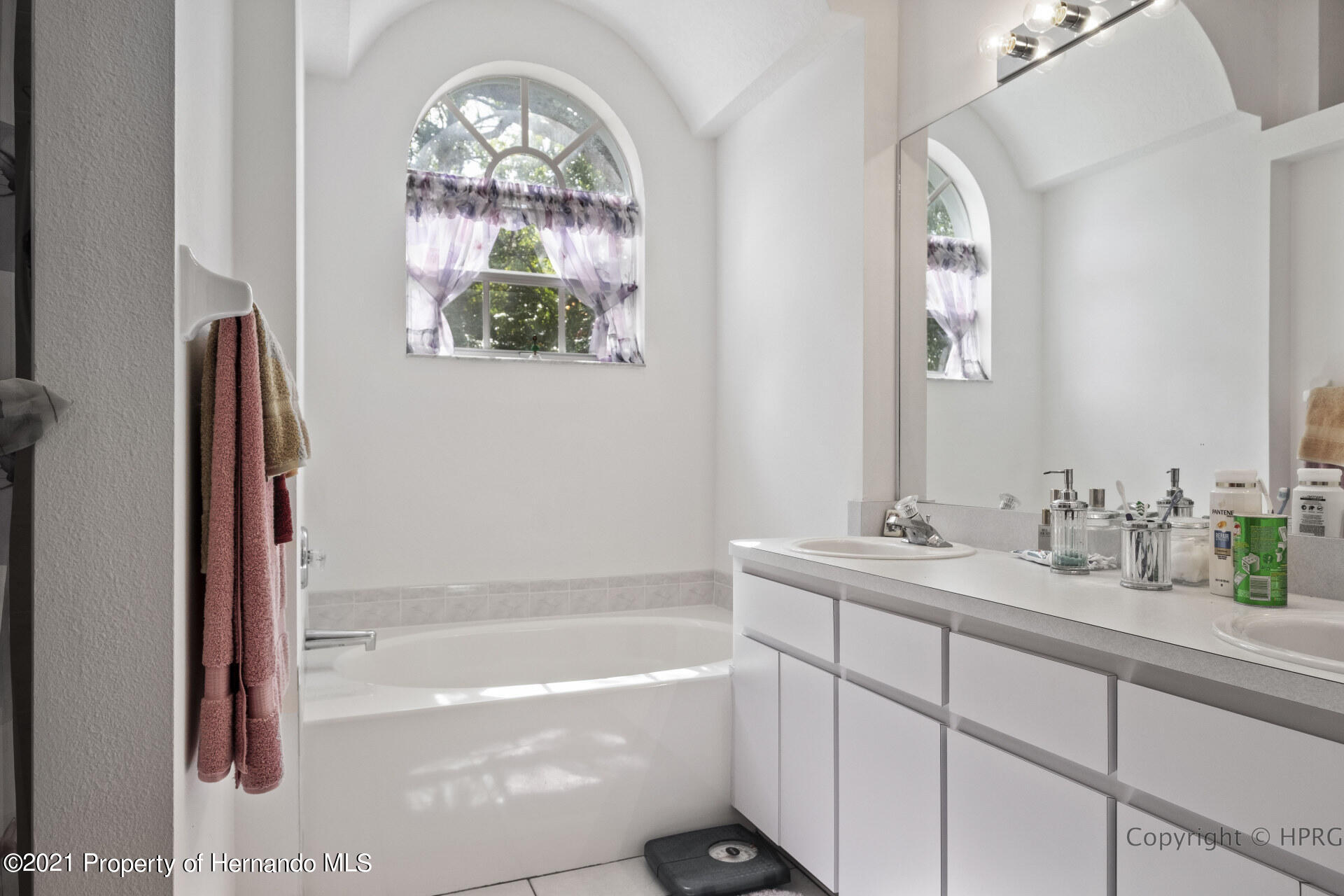 Listing photo id 22 for 8337 Belmont Road