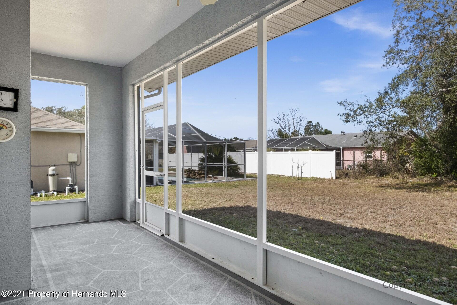 Listing photo id 25 for 8337 Belmont Road