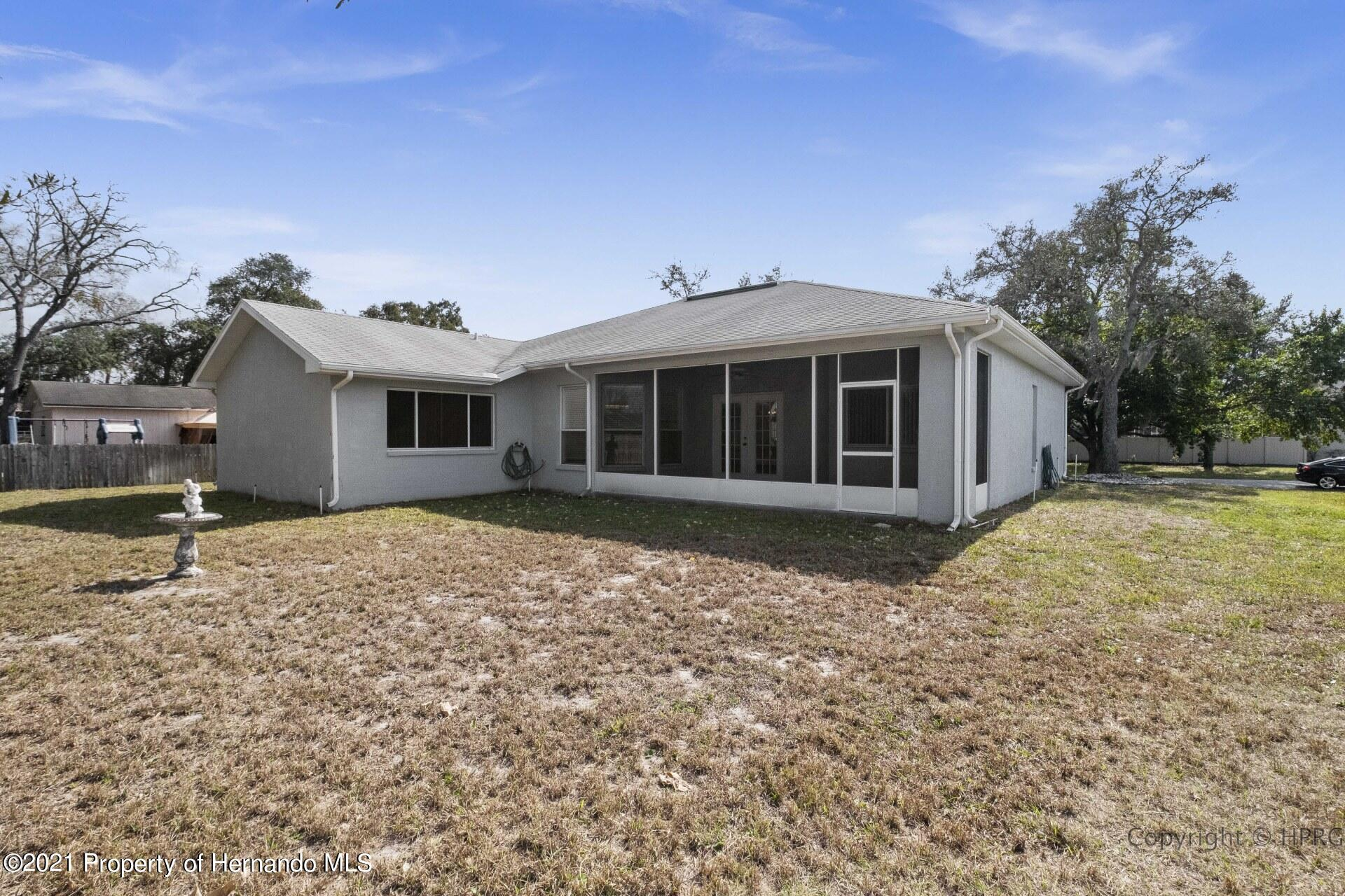 Listing photo id 26 for 8337 Belmont Road