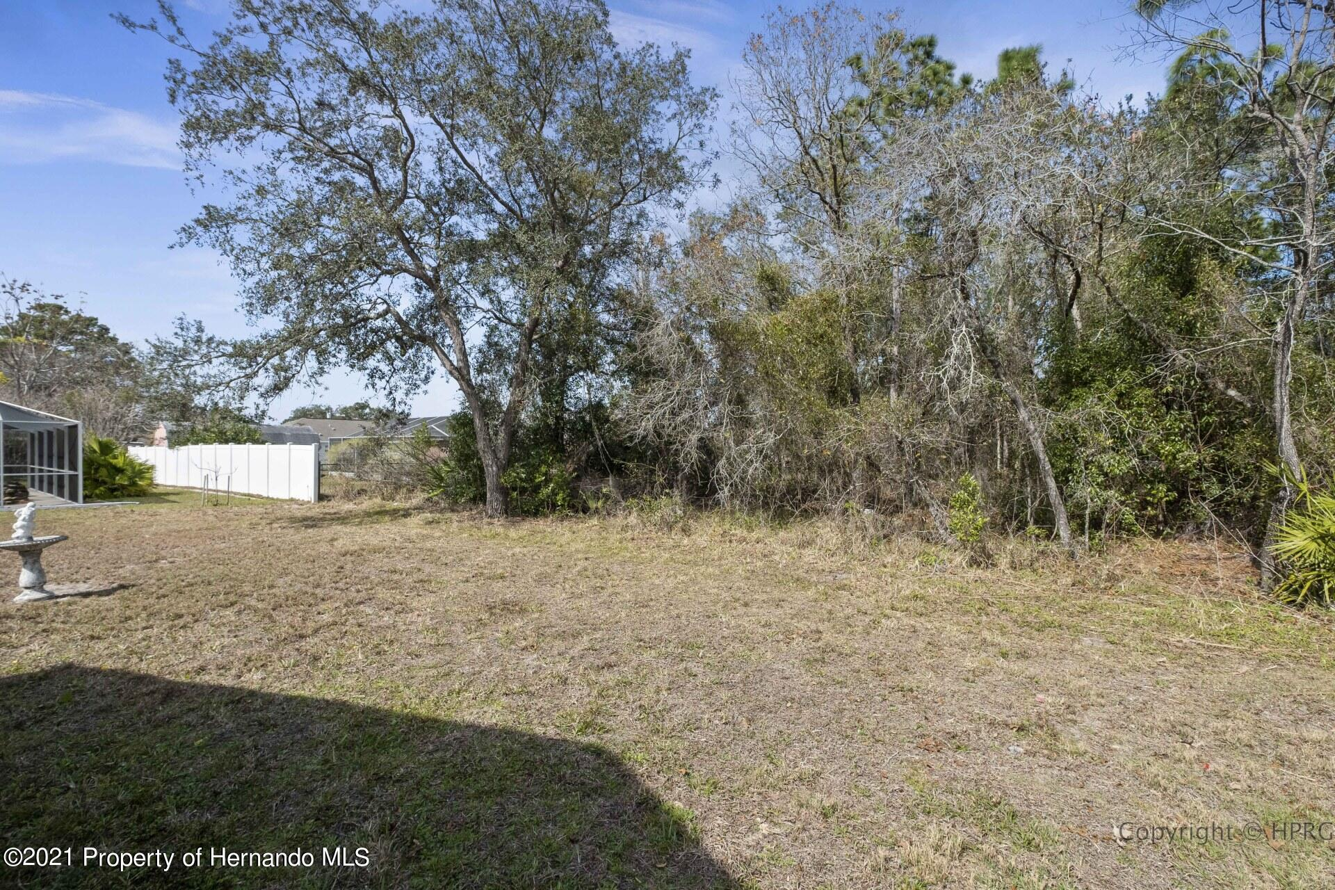 Listing photo id 27 for 8337 Belmont Road