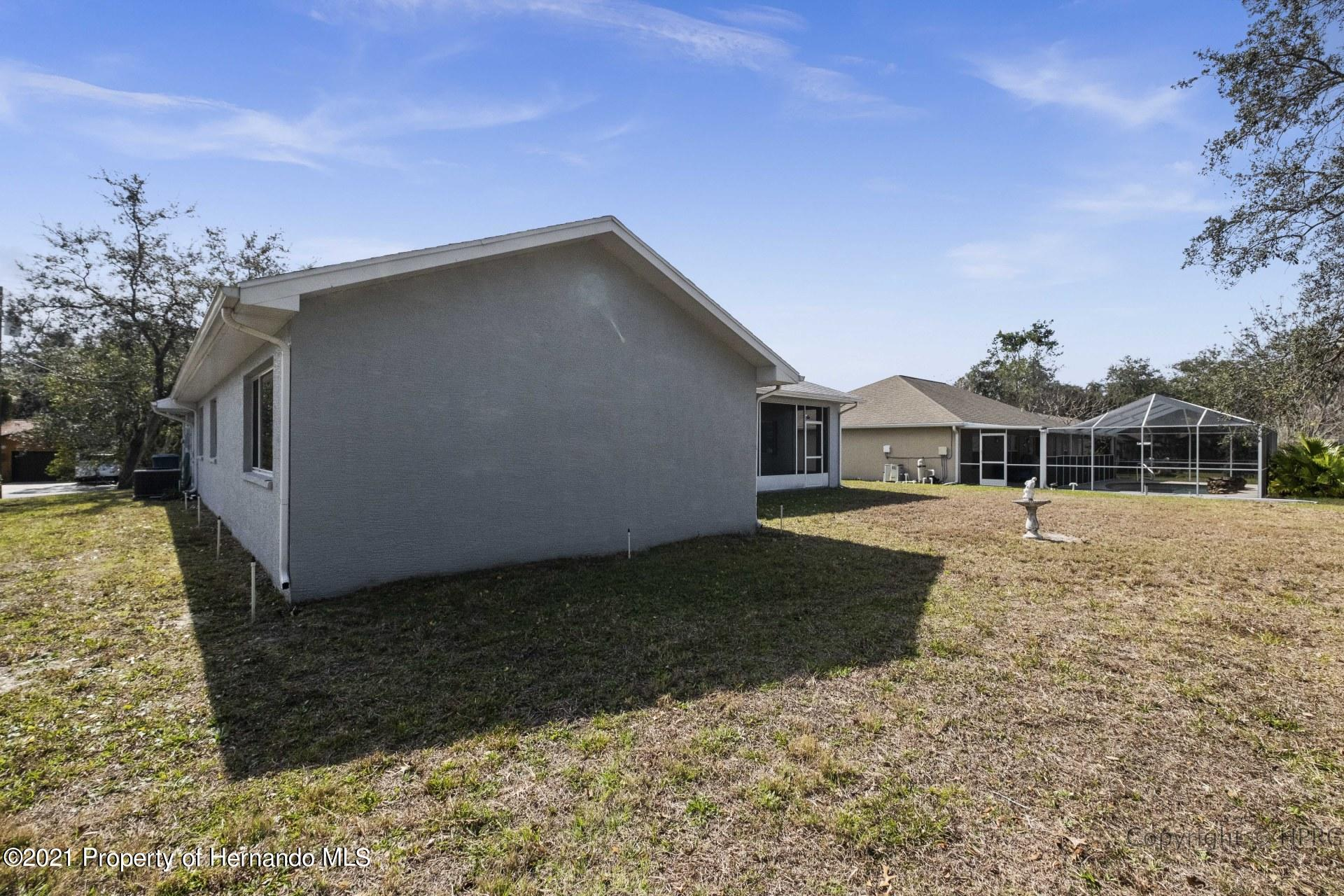 Listing photo id 29 for 8337 Belmont Road
