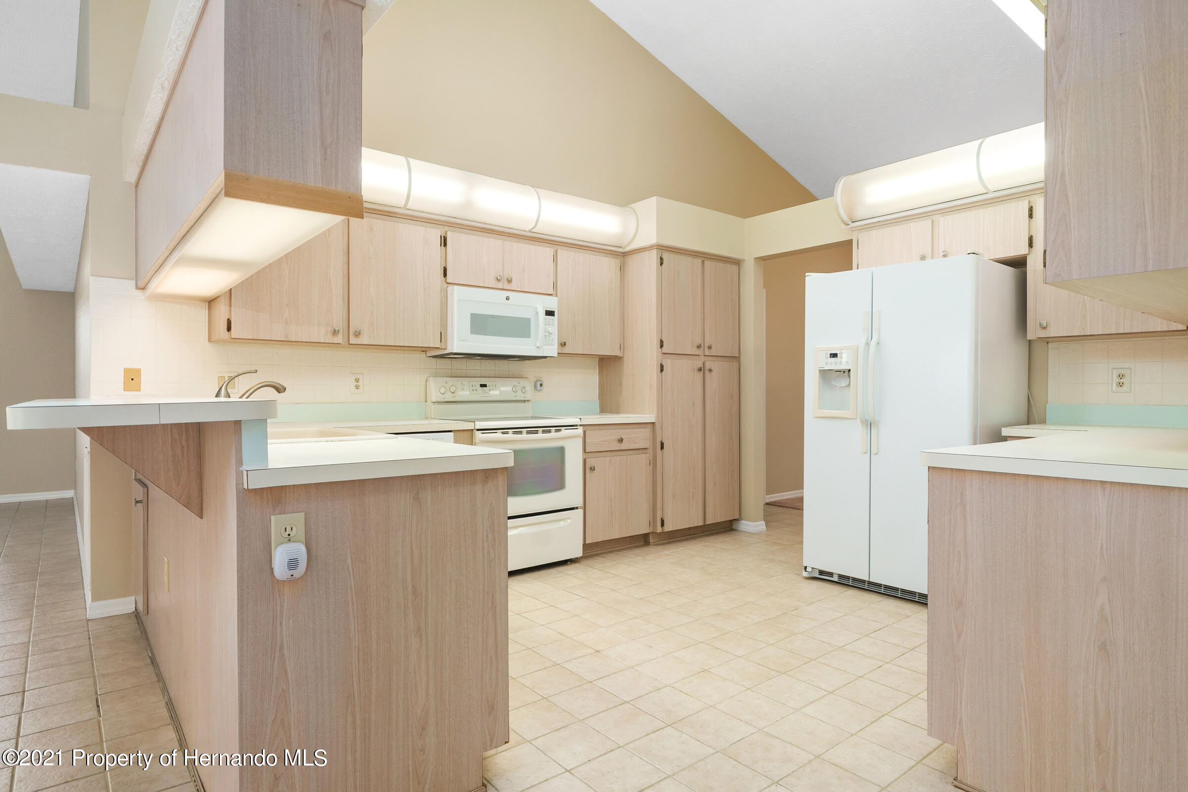 Image 4 For 1159 Overland Drive