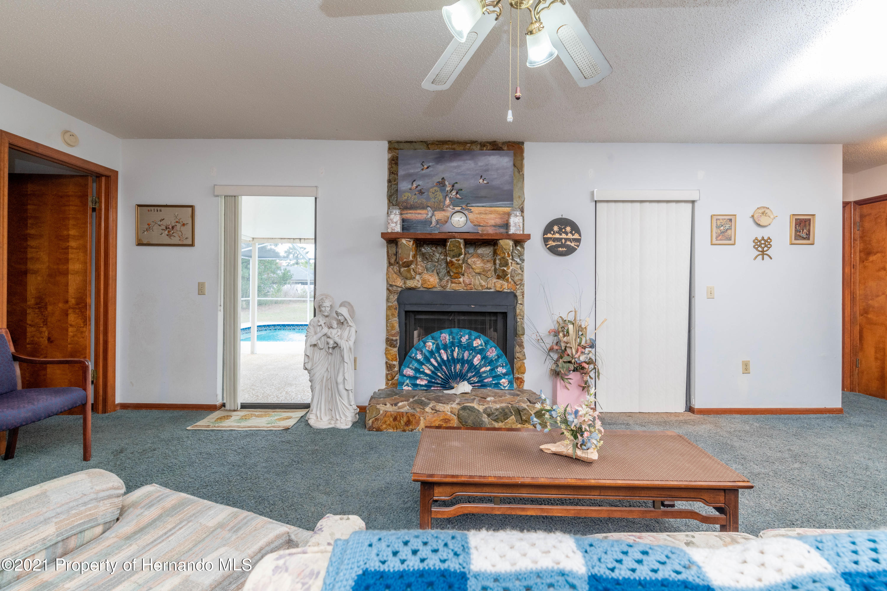 Listing photo id 19 for 10283 Gifford Drive