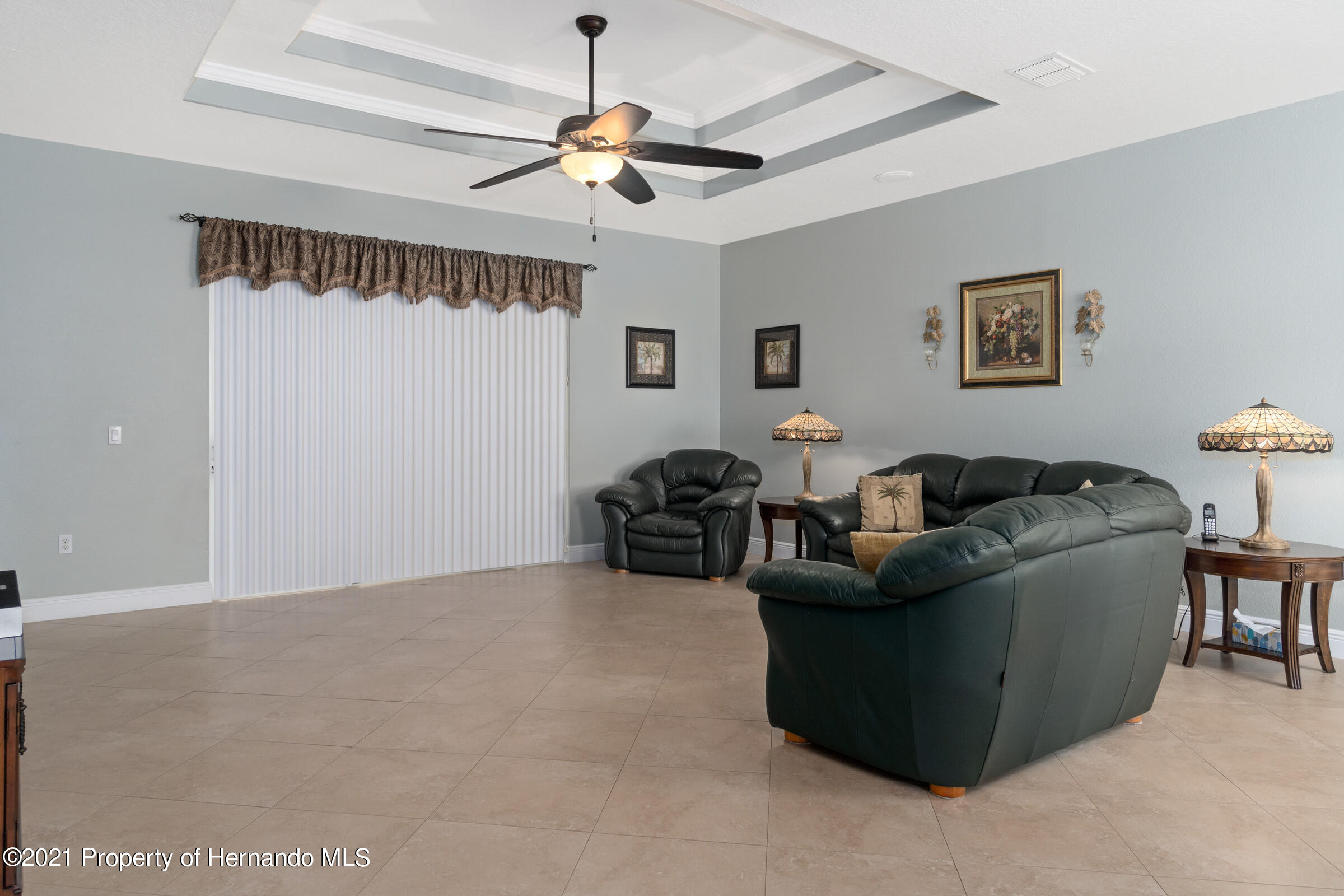 Listing photo id 9 for 3449 Conifer Loop