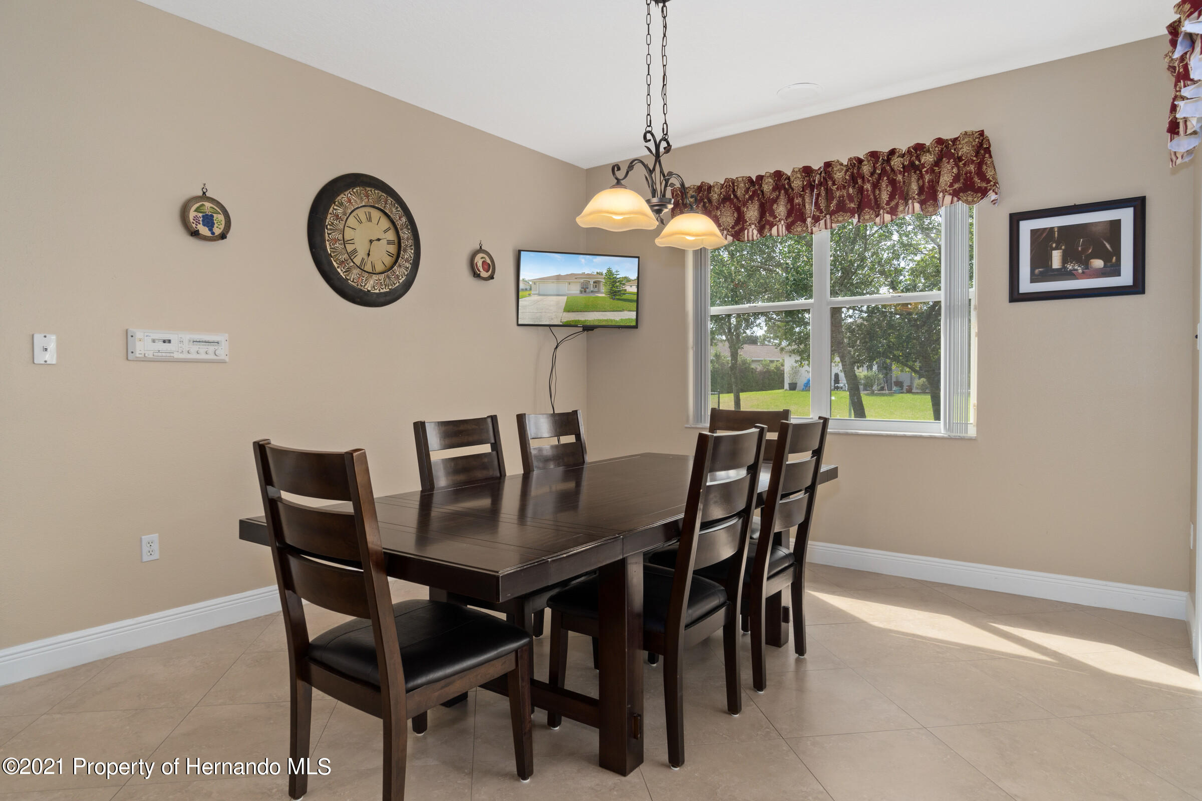 Listing photo id 23 for 3449 Conifer Loop