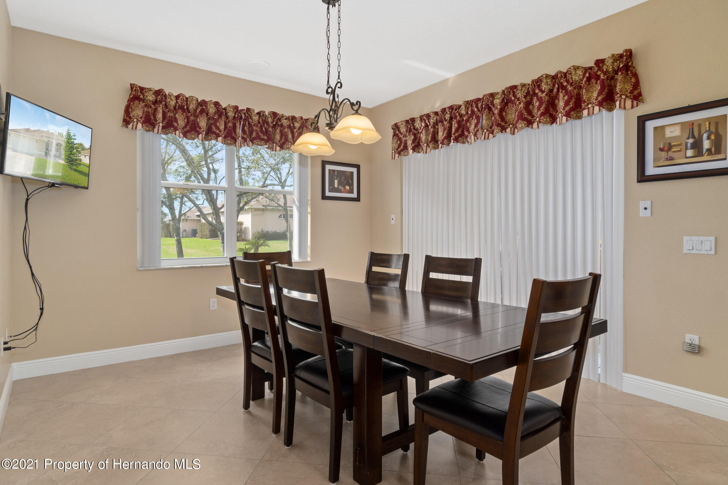 Listing photo id 24 for 3449 Conifer Loop