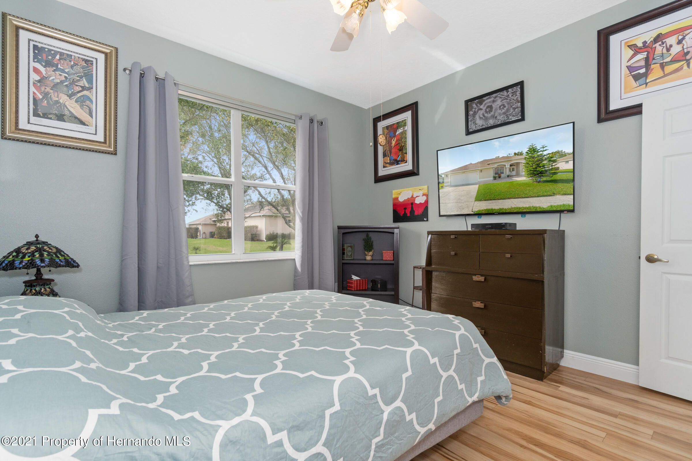 Listing photo id 26 for 3449 Conifer Loop