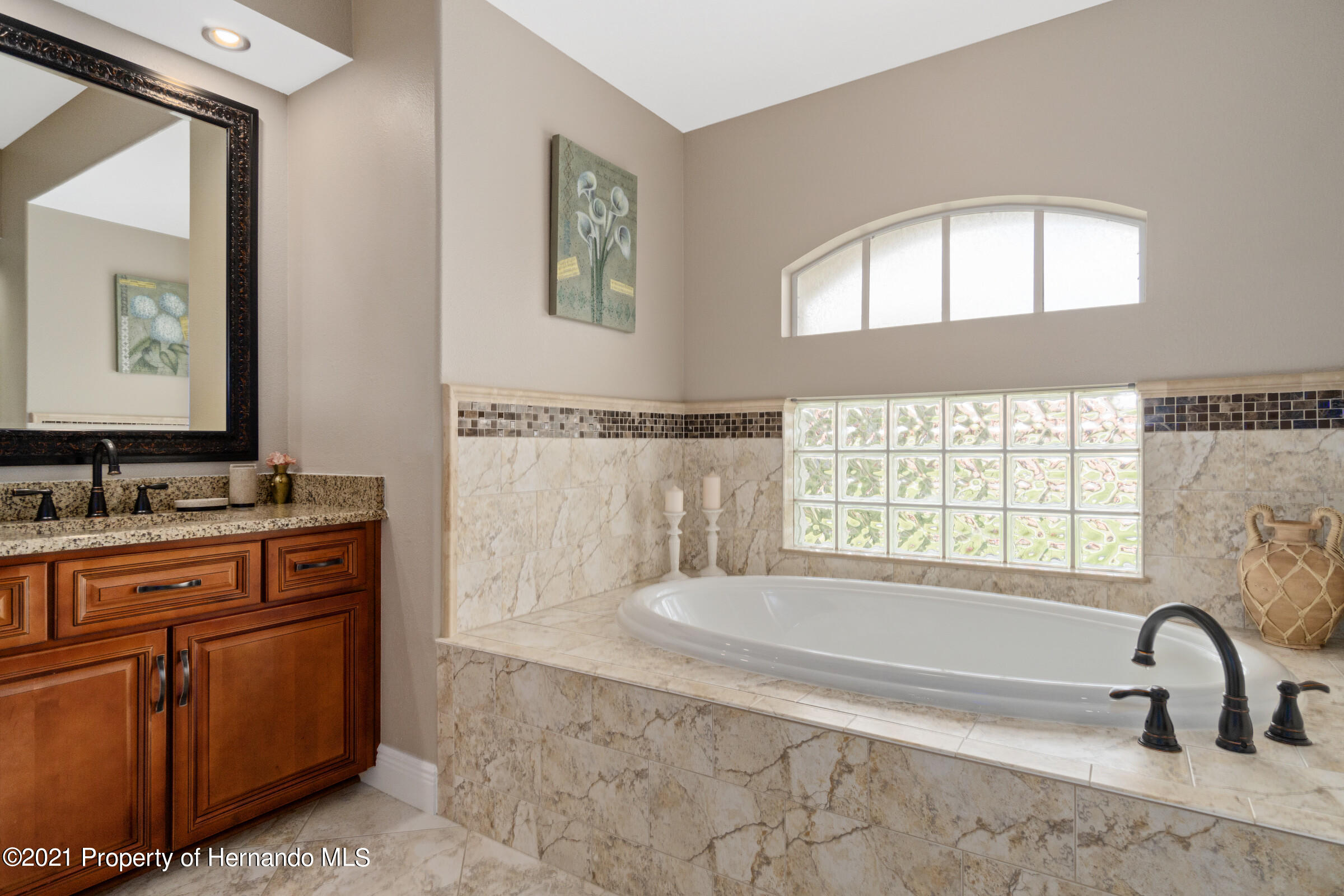 Listing photo id 16 for 3449 Conifer Loop