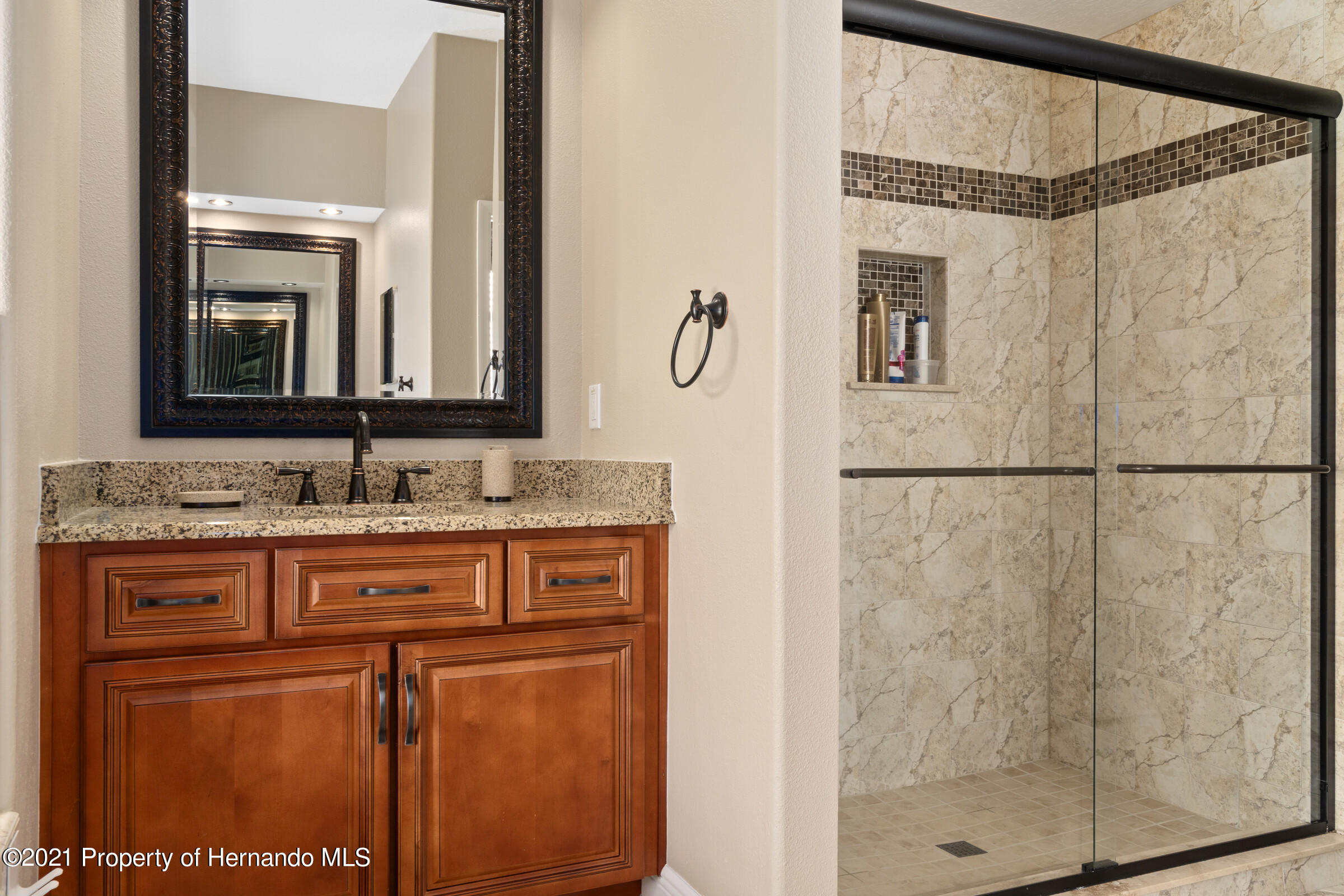 Listing photo id 17 for 3449 Conifer Loop