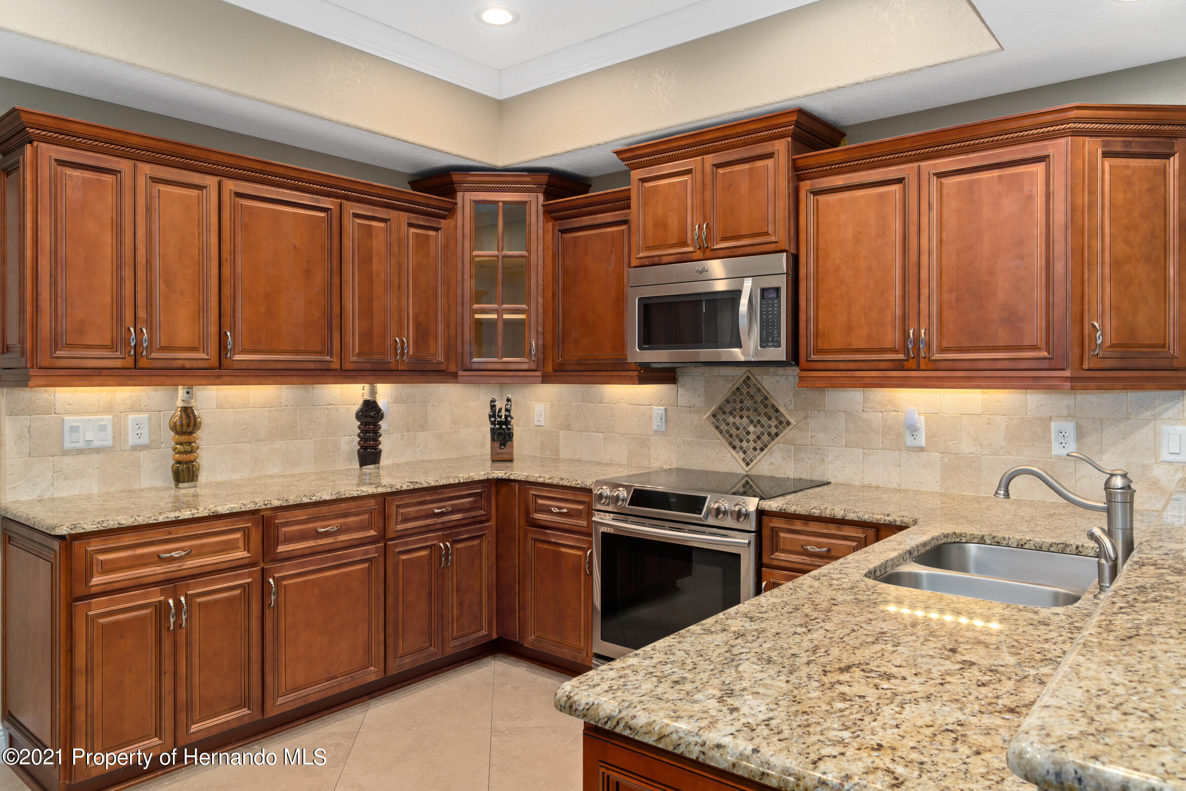 Listing photo id 22 for 3449 Conifer Loop