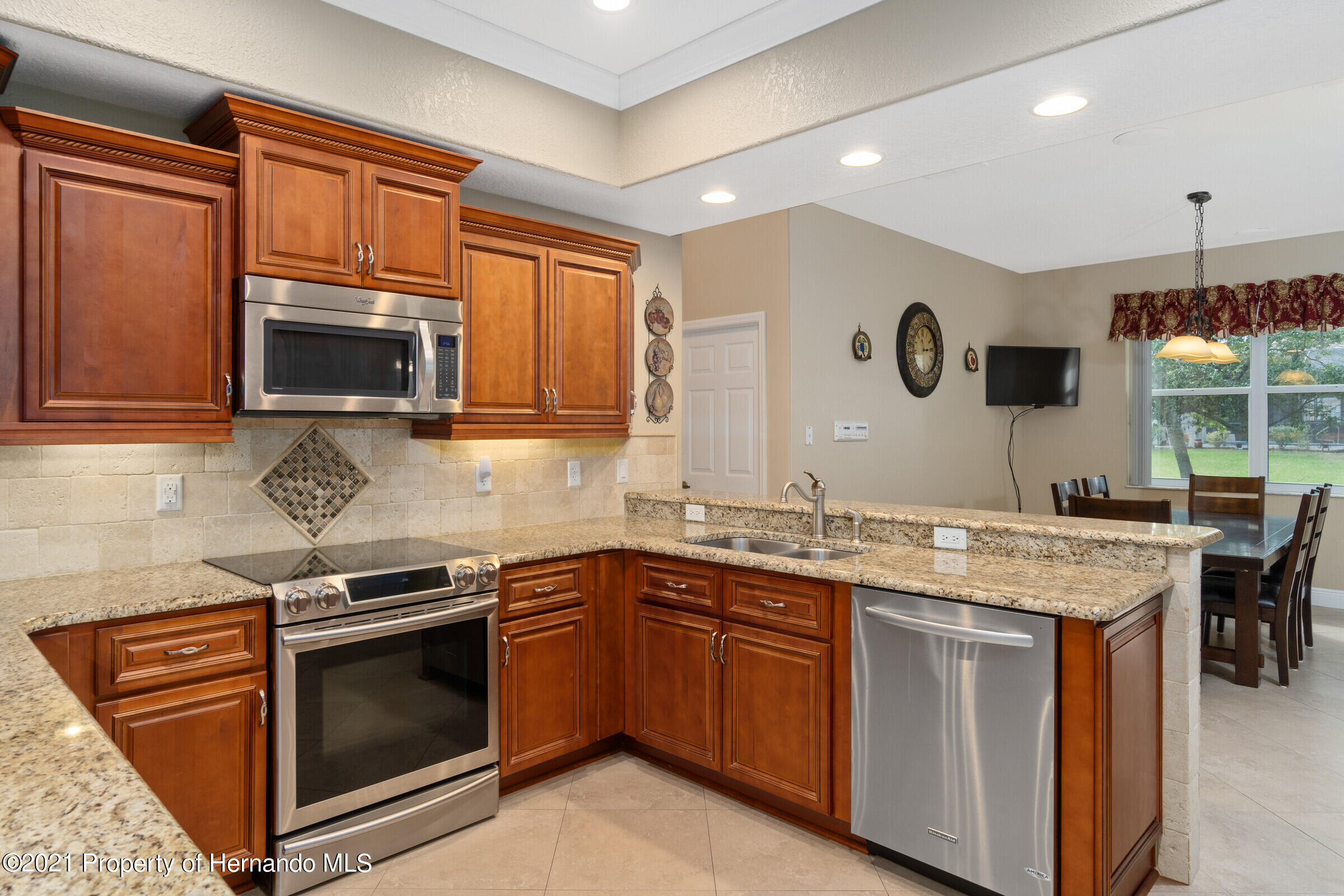 Listing photo id 18 for 3449 Conifer Loop