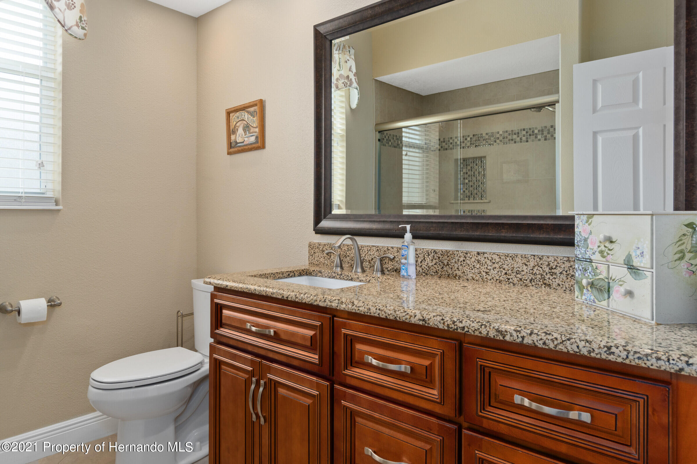 Listing photo id 27 for 3449 Conifer Loop