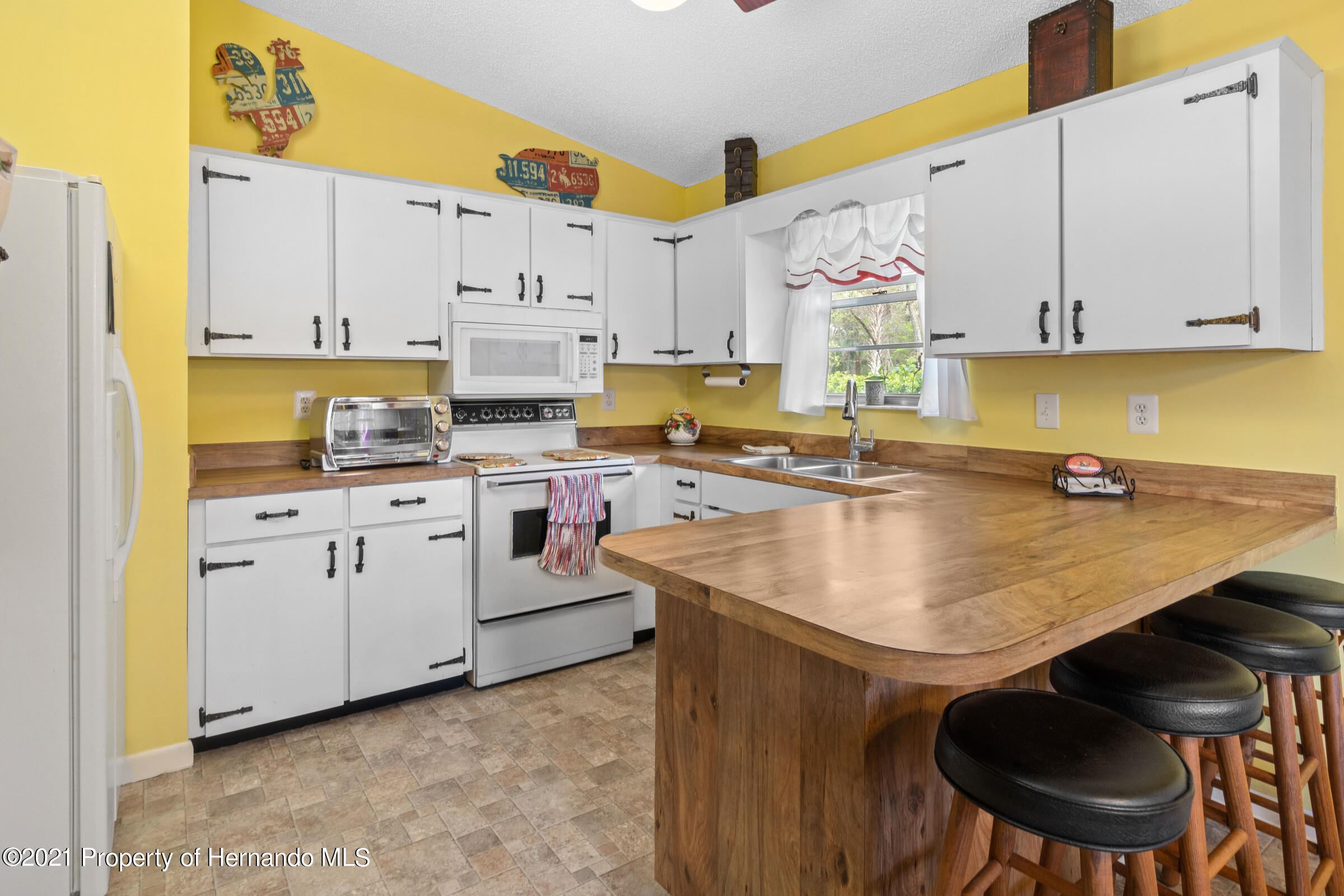 Listing photo id 9 for 6248 Bear Trail
