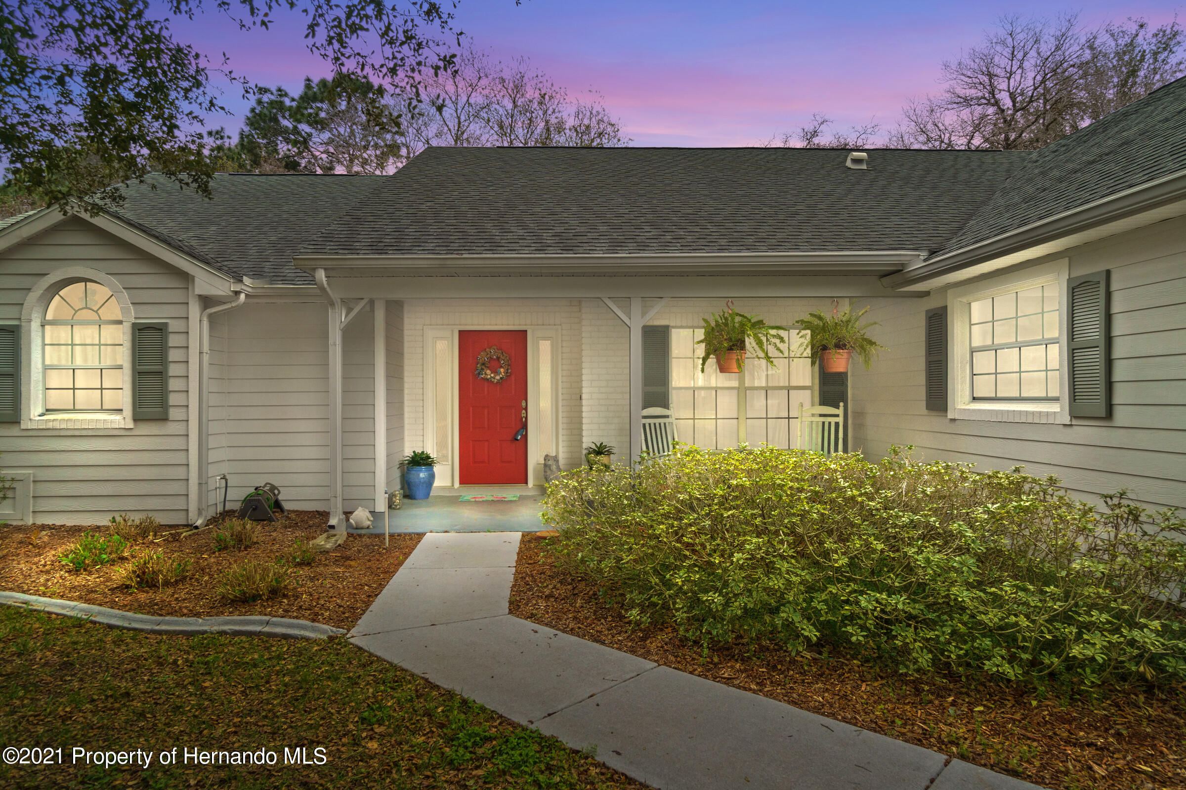 Listing photo id 2 for 24 Linder Circle