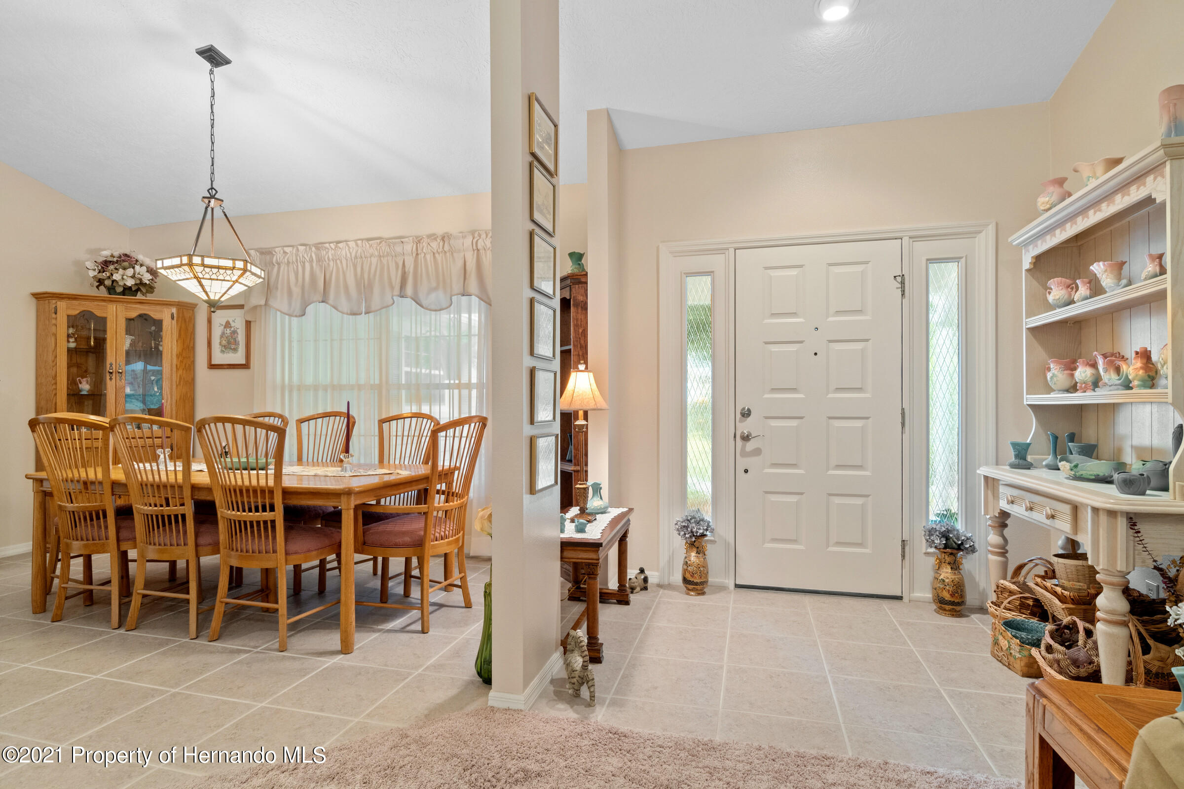 Listing photo id 7 for 24 Linder Circle