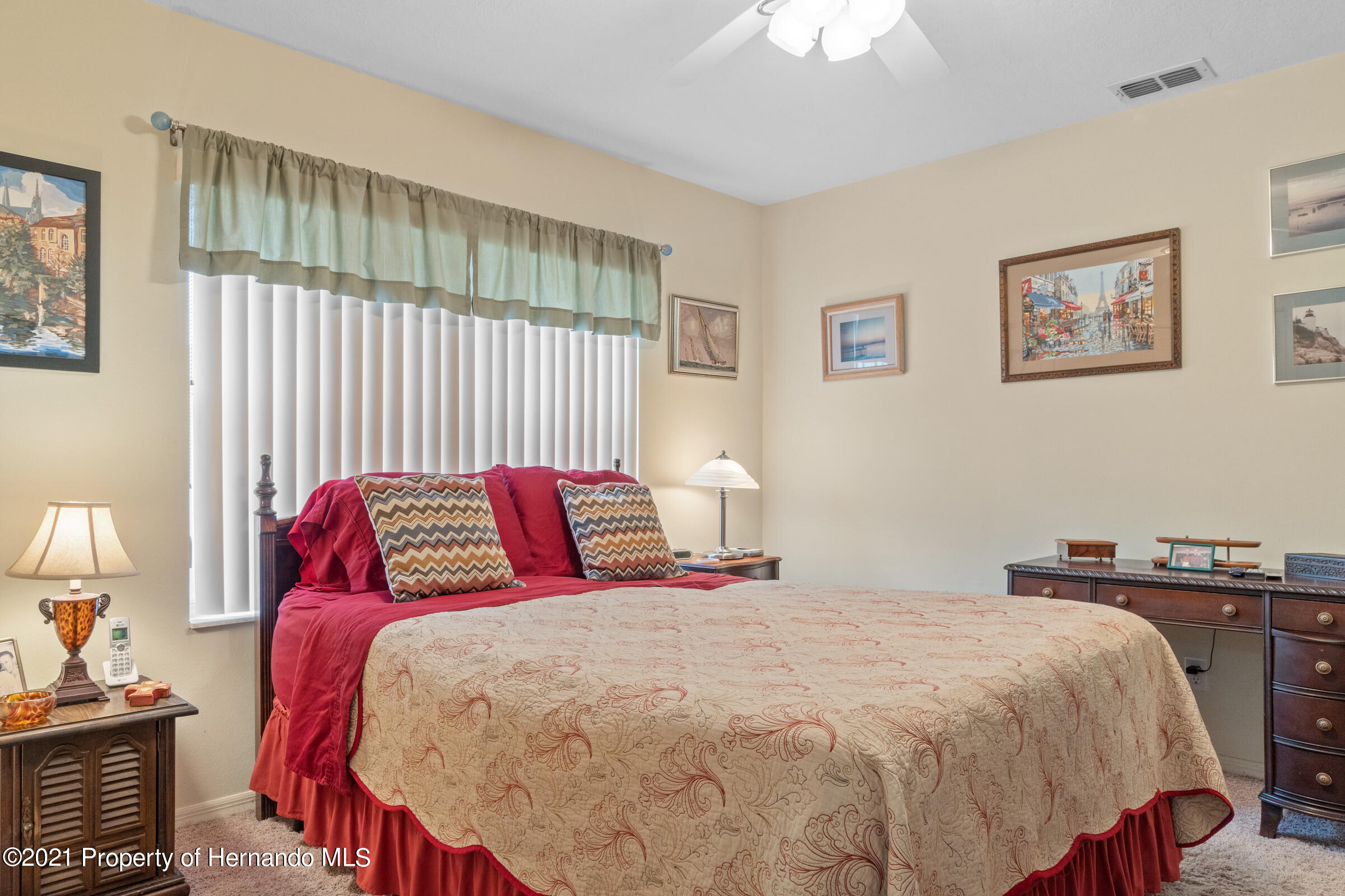 Listing photo id 25 for 24 Linder Circle