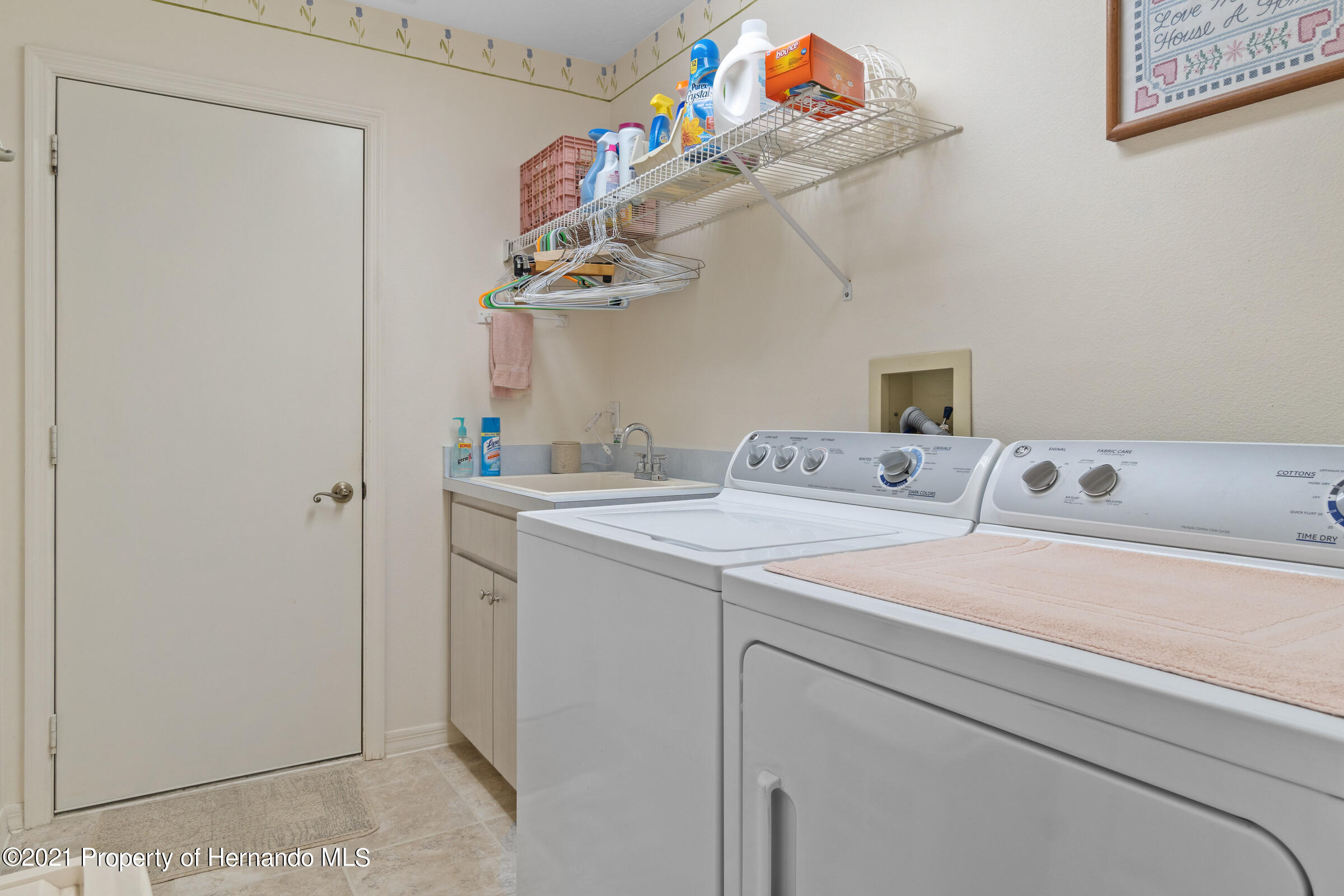 Listing photo id 27 for 24 Linder Circle