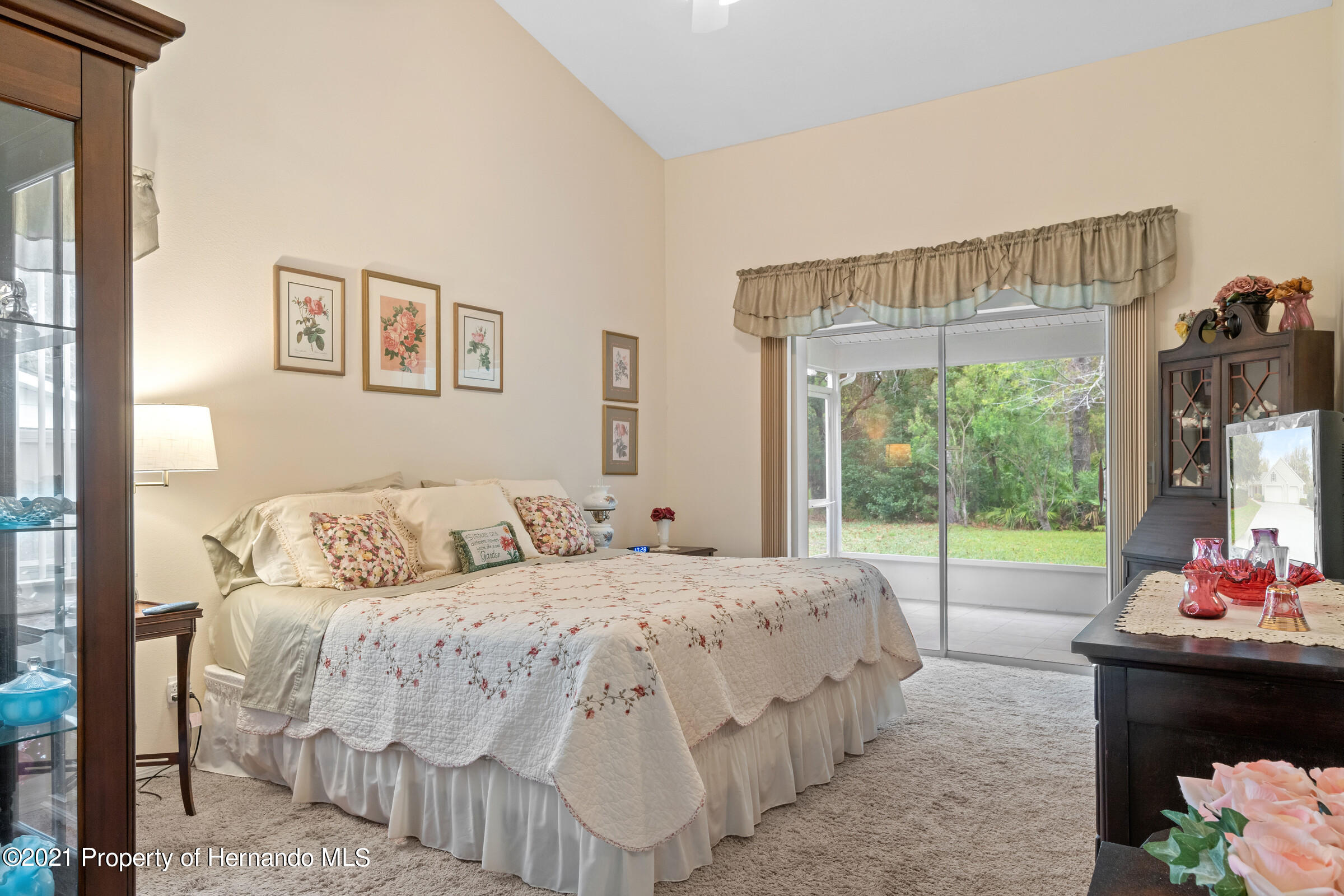Listing photo id 28 for 24 Linder Circle