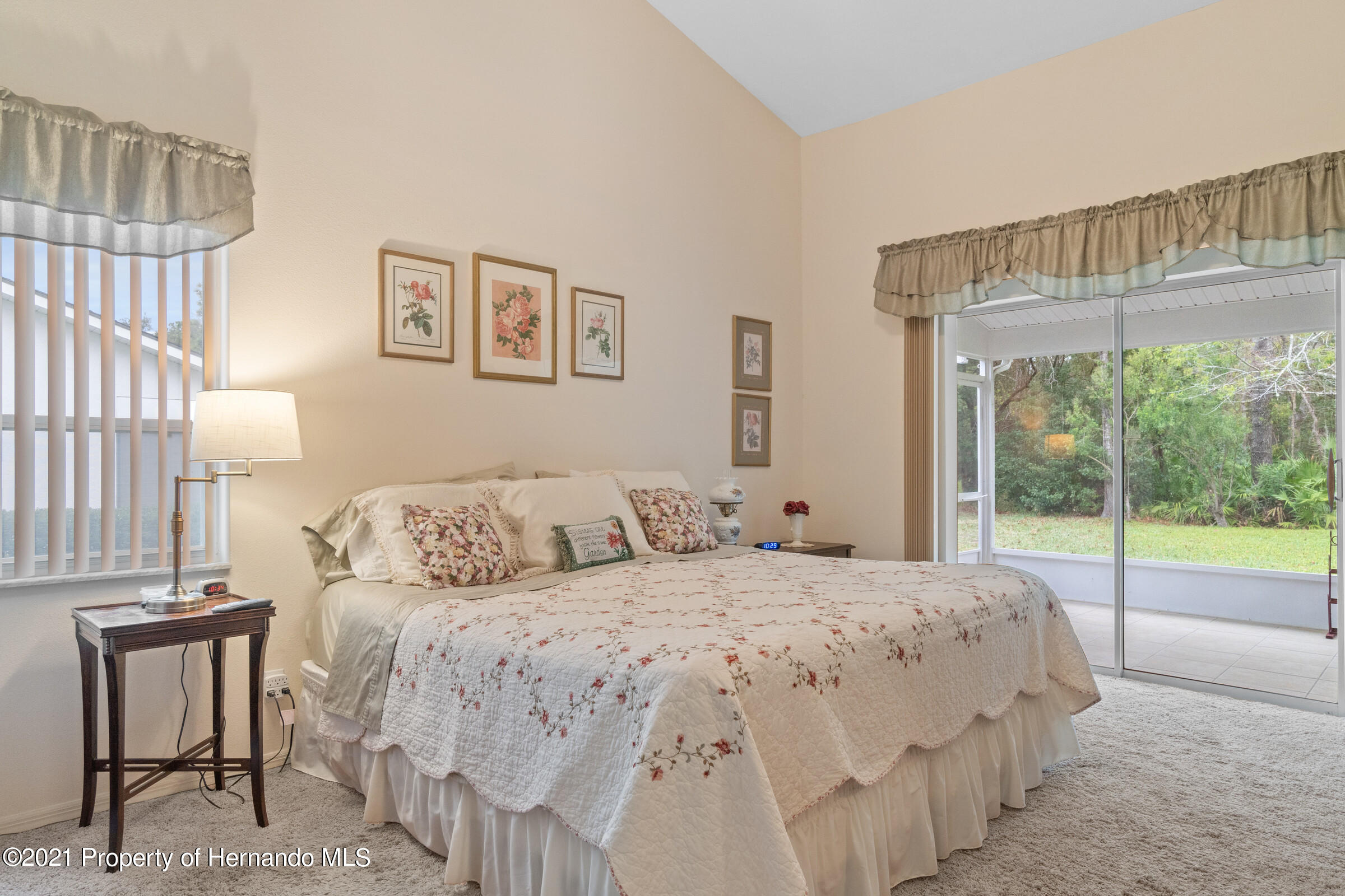Listing photo id 29 for 24 Linder Circle