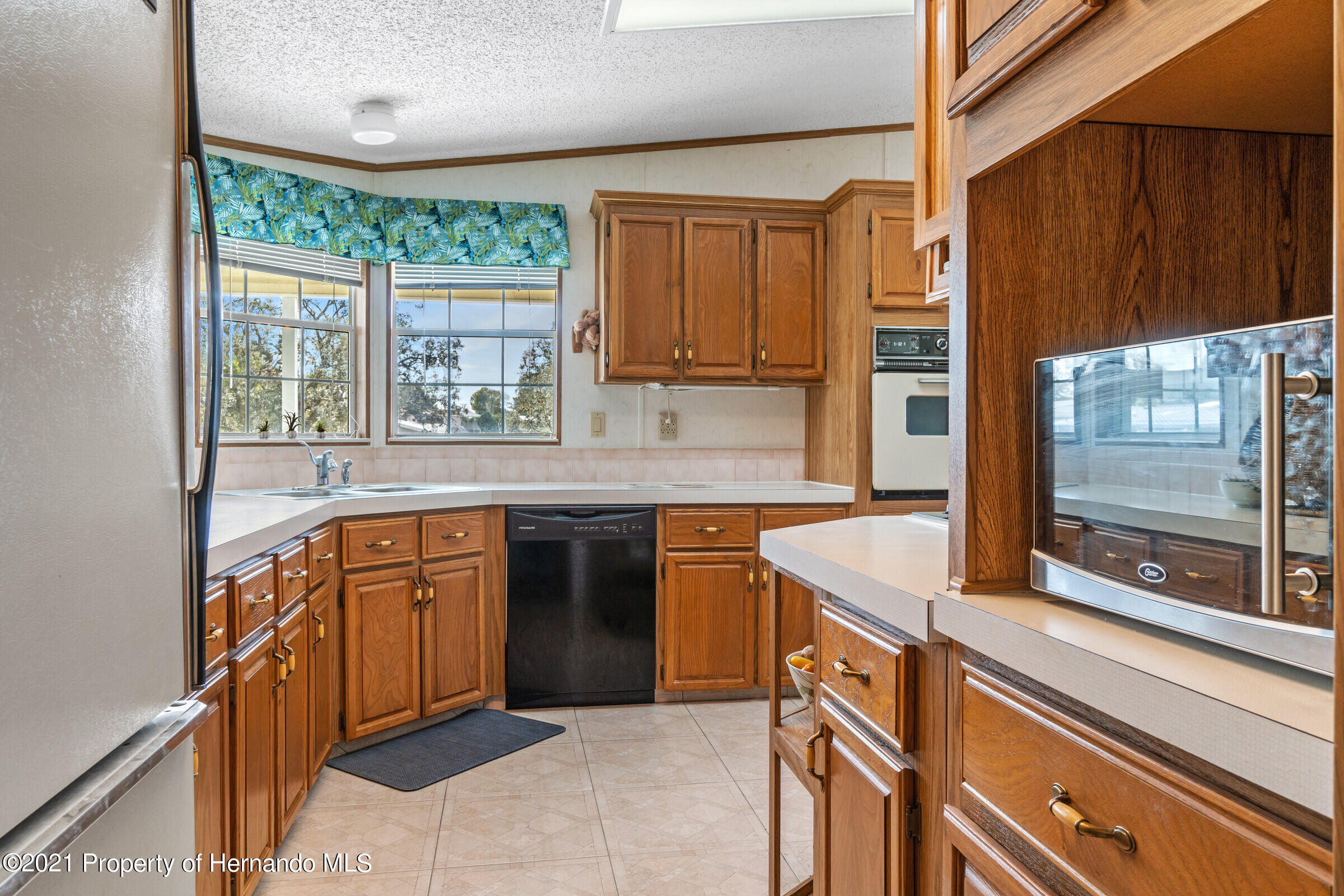Listing photo id 11 for 9242 Denmarsh Drive