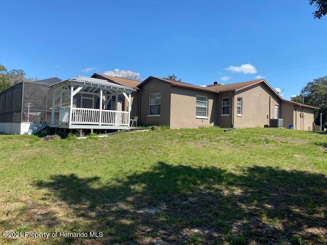Listing photo id 31 for 2499 Keeport Drive