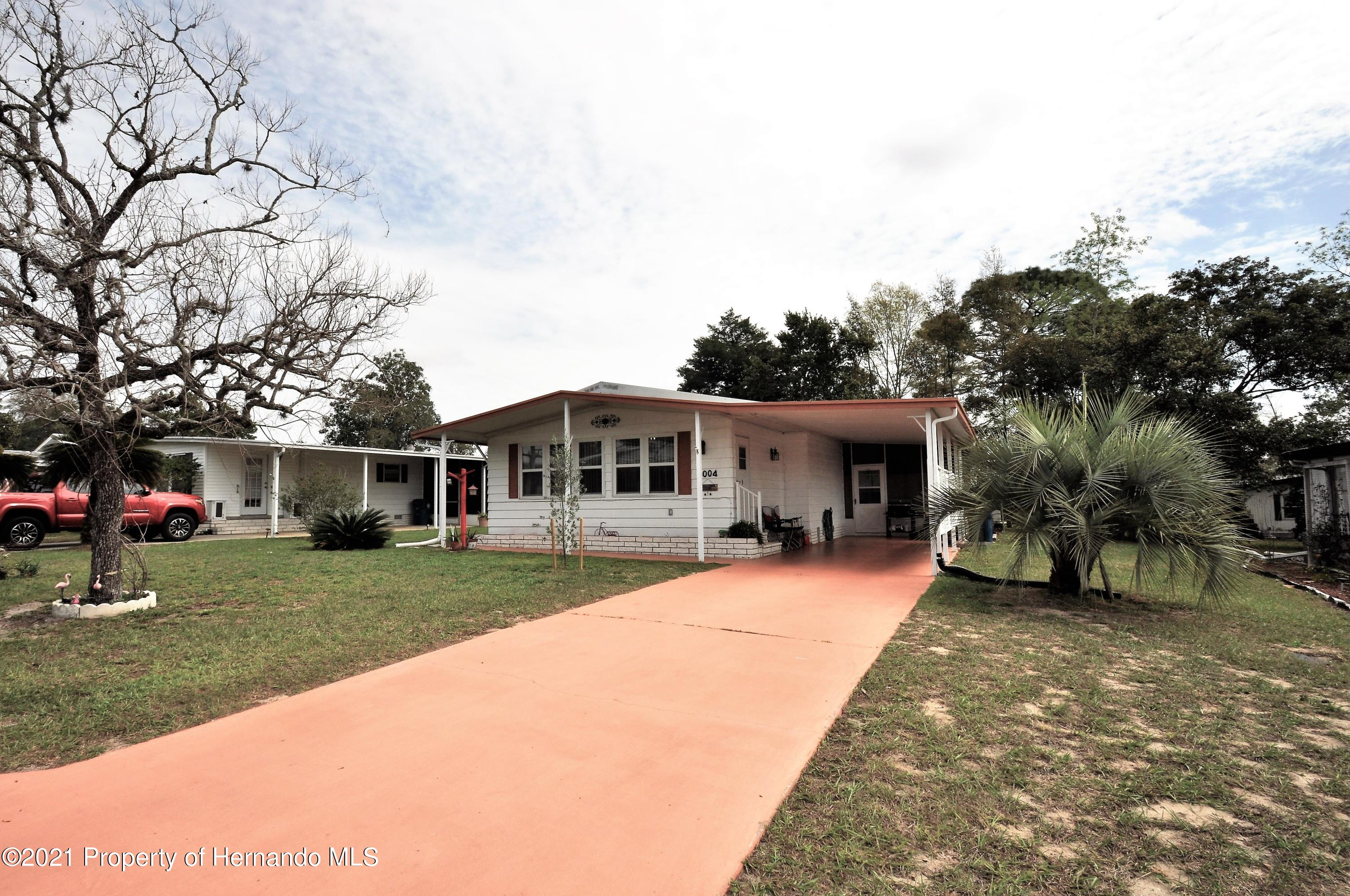 Listing photo id 25 for 8004 Fiat Avenue