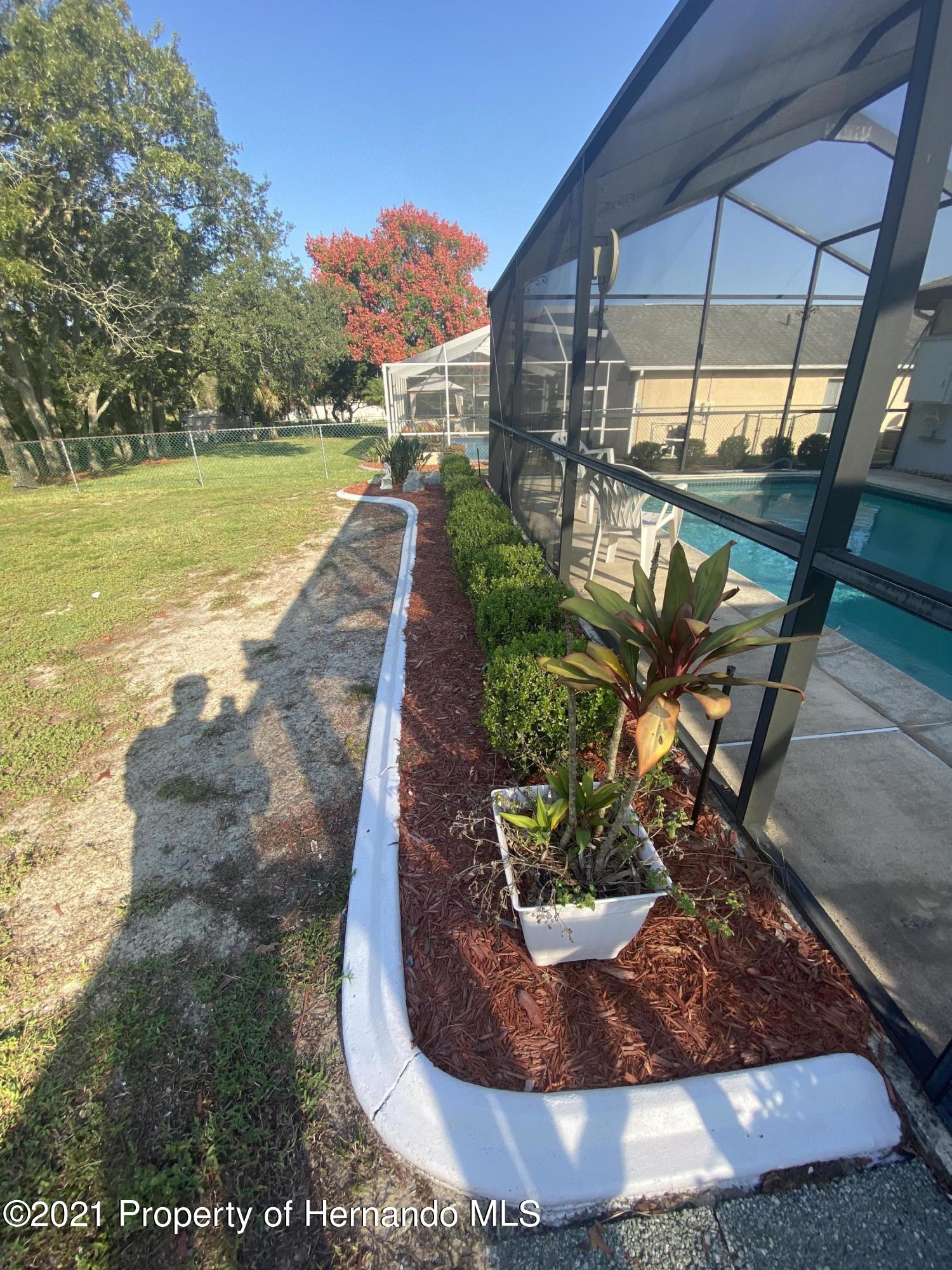 Listing photo id 29 for 4441 Dior Road