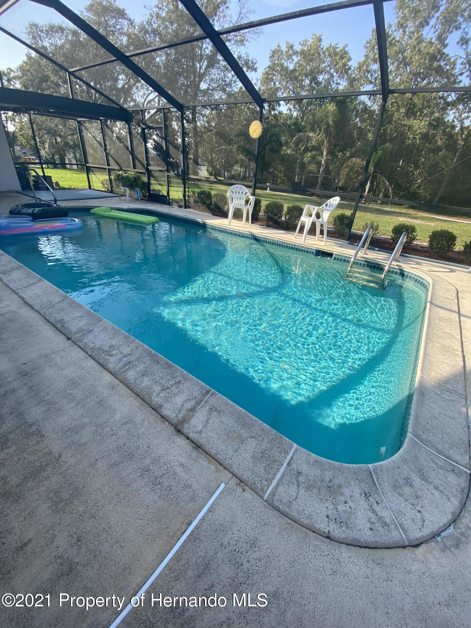 Listing photo id 38 for 4441 Dior Road