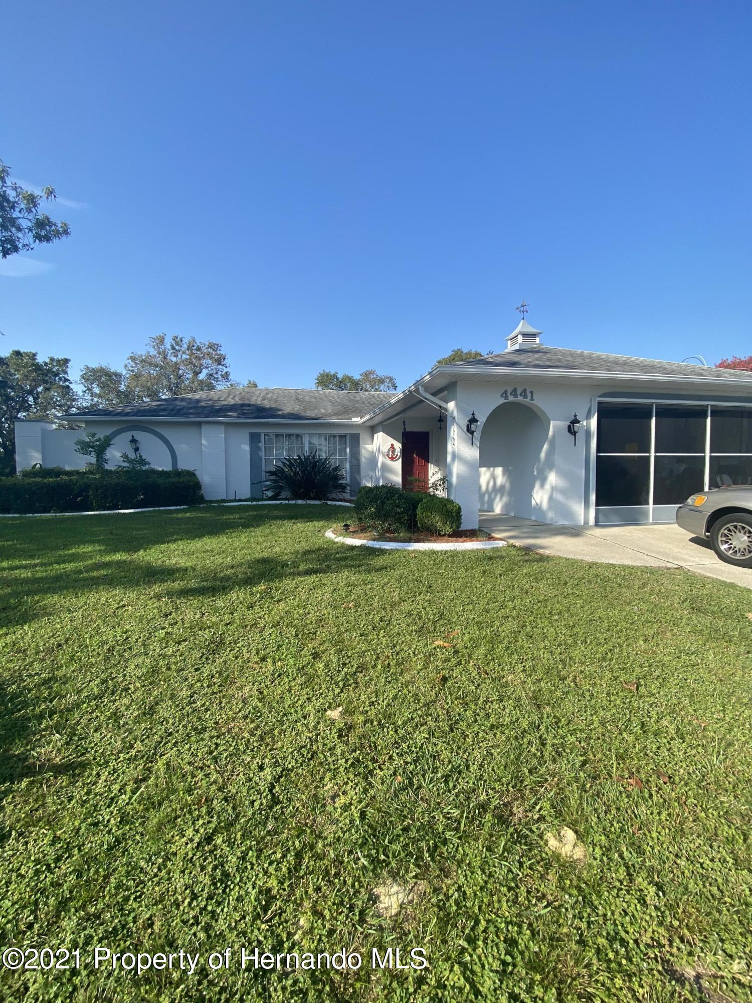 Listing photo id 2 for 4441 Dior Road