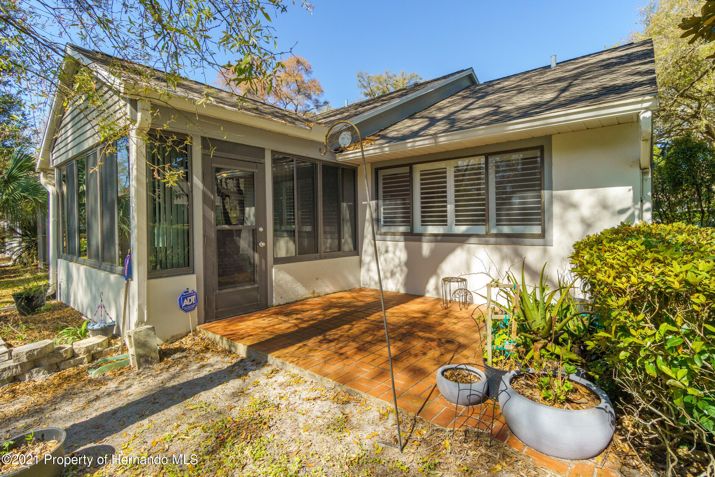 Listing photo id 24 for 657 W Wild Pine Circle