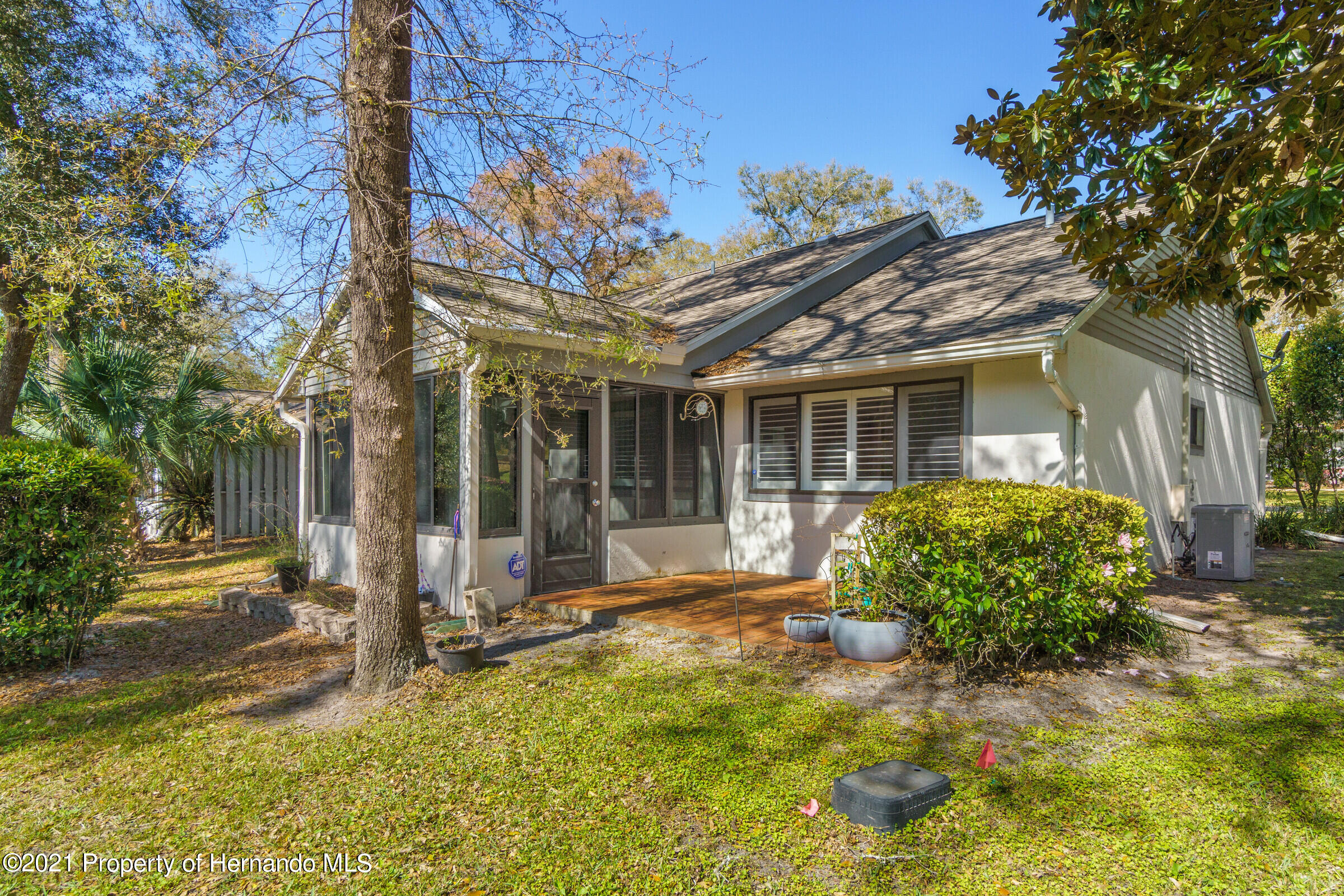 Listing photo id 28 for 657 W Wild Pine Circle