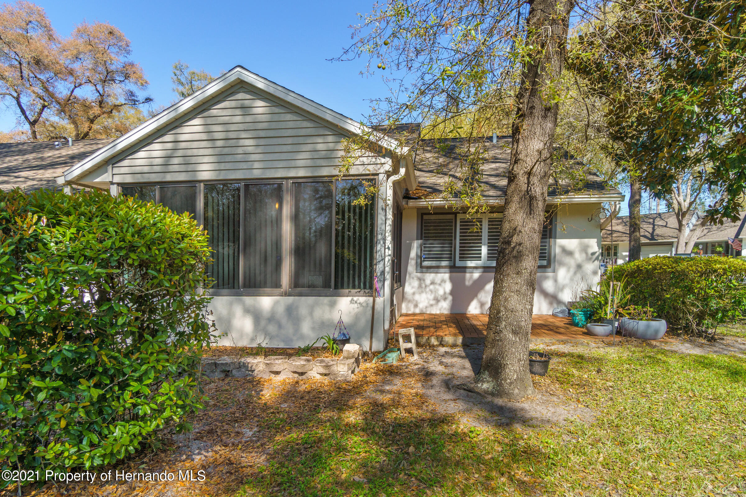 Listing photo id 29 for 657 W Wild Pine Circle