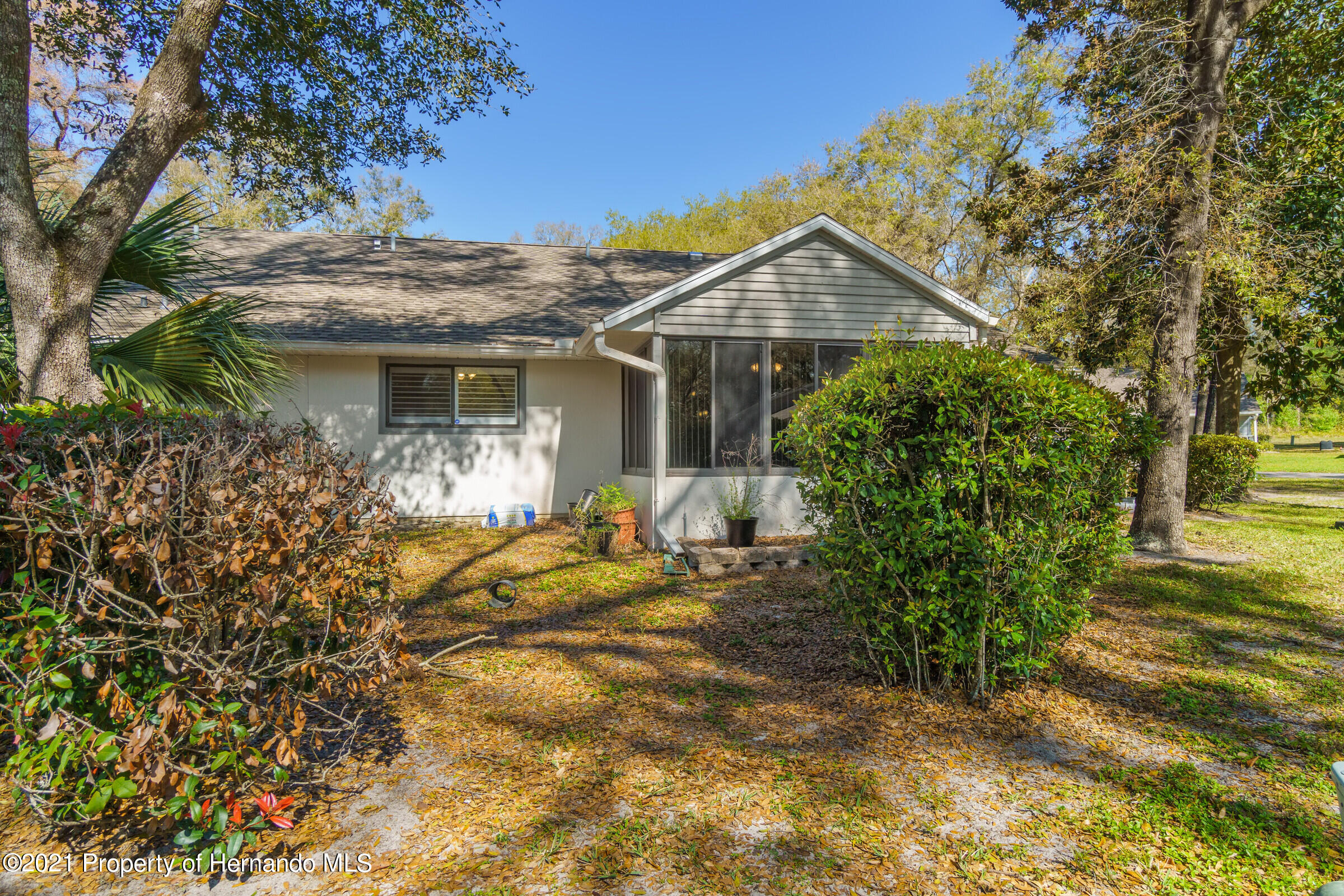 Listing photo id 30 for 657 W Wild Pine Circle